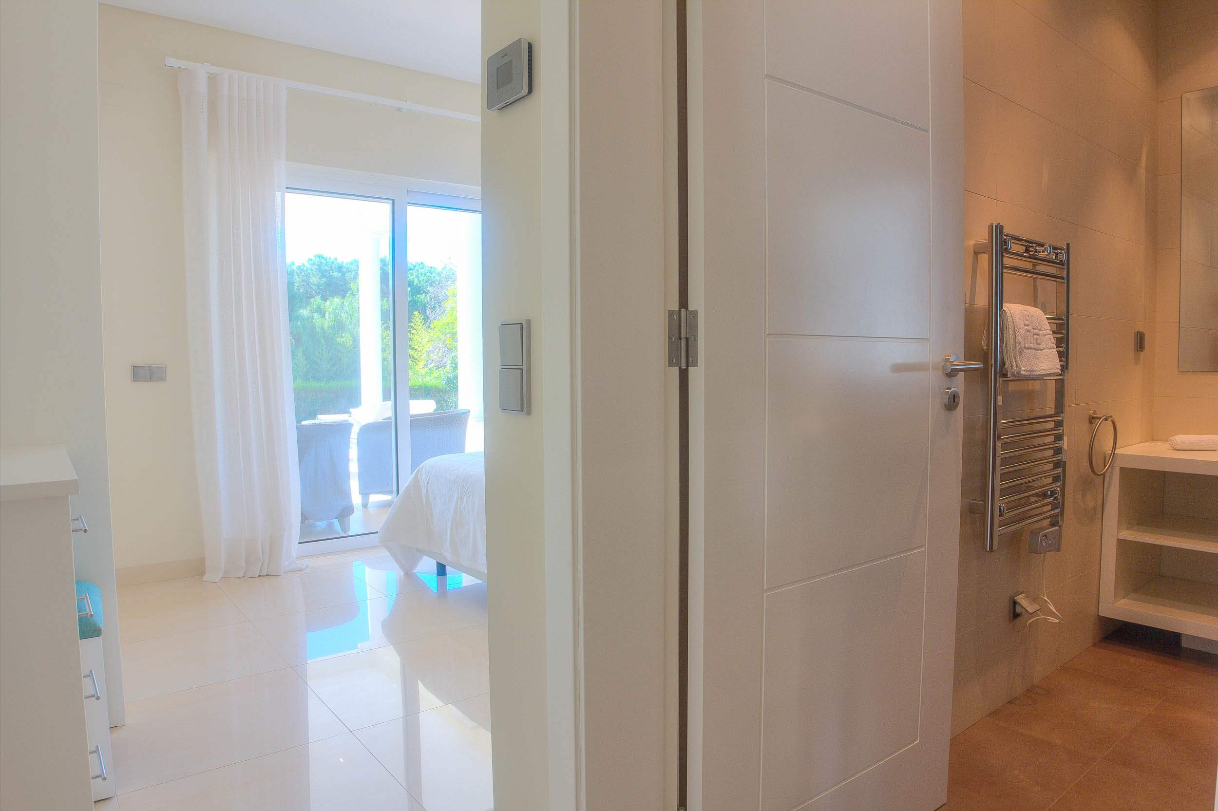 Villa Vida Doce, 6 bedroom villa in Vilamoura Area, Algarve Photo #17
