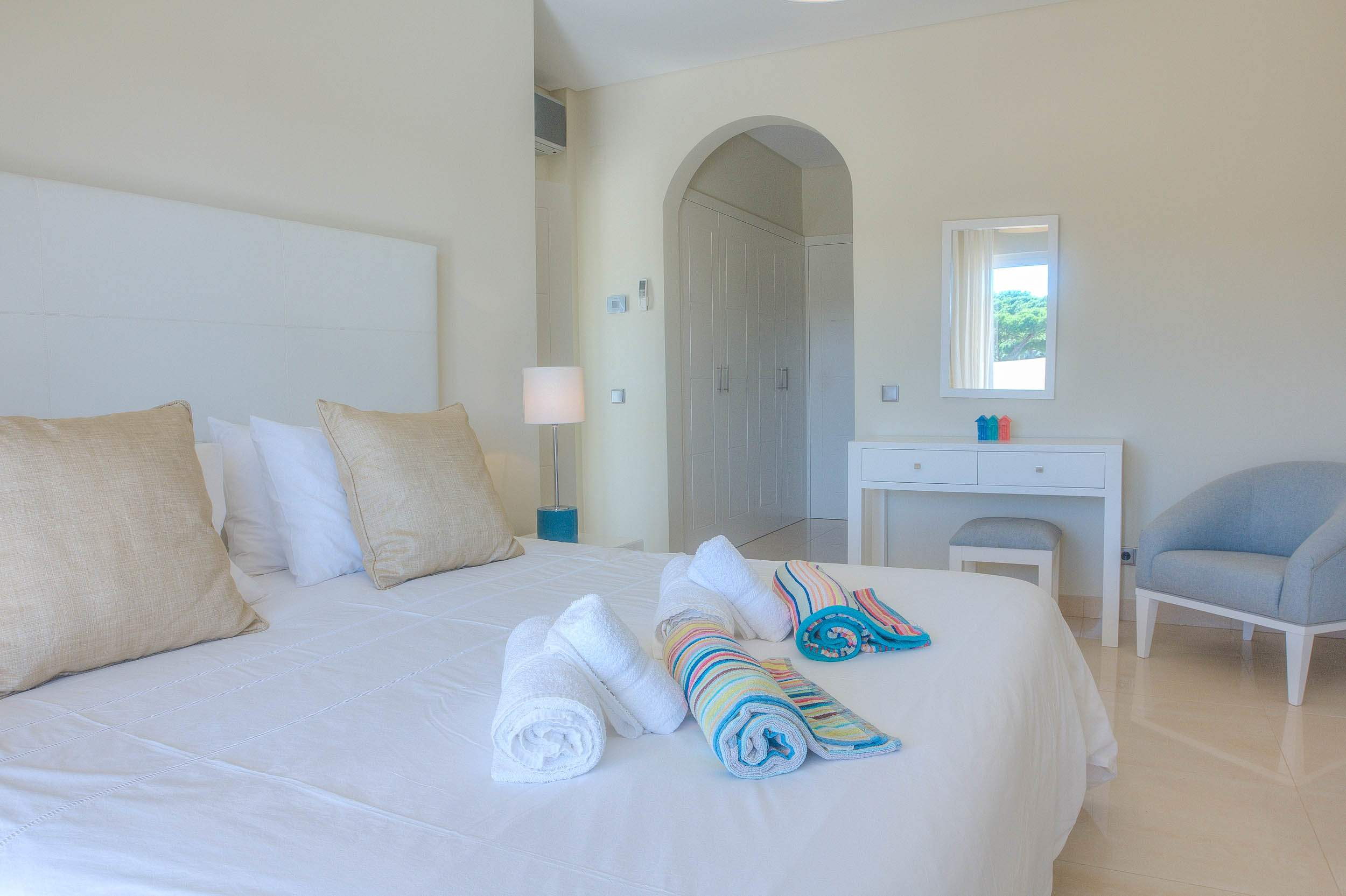 Villa Vida Doce, 6 bedroom villa in Vilamoura Area, Algarve Photo #19