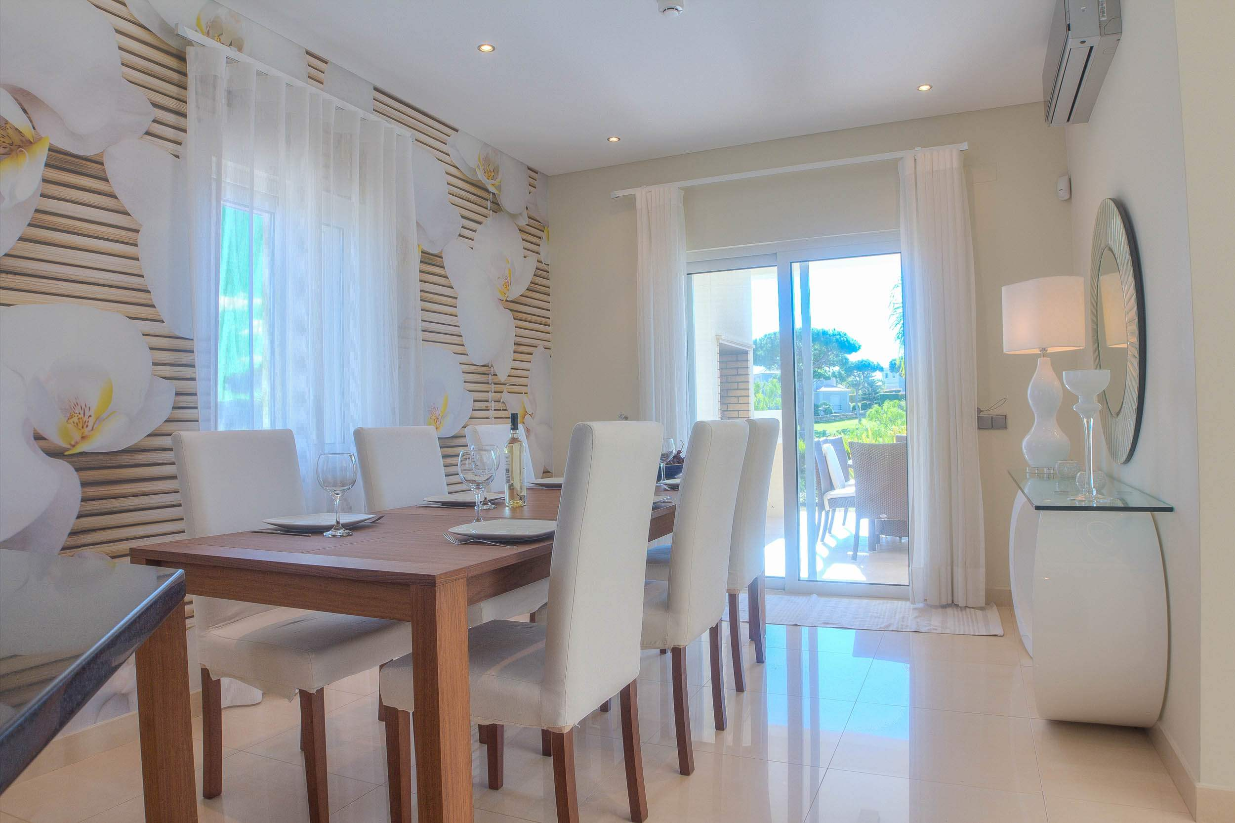 Villa Vida Doce, 6 bedroom villa in Vilamoura Area, Algarve Photo #5