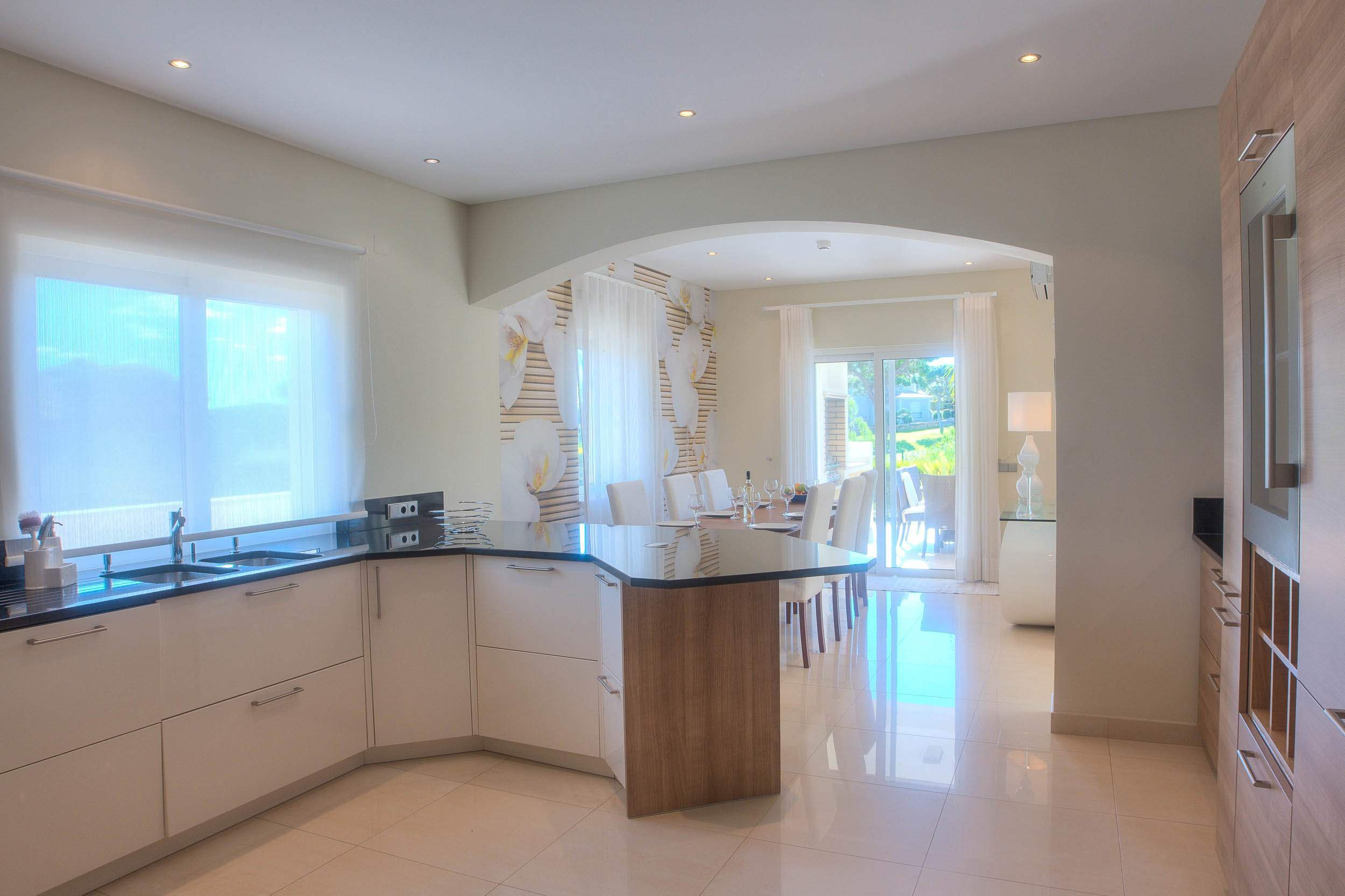 Villa Vida Doce, 6 bedroom villa in Vilamoura Area, Algarve Photo #6
