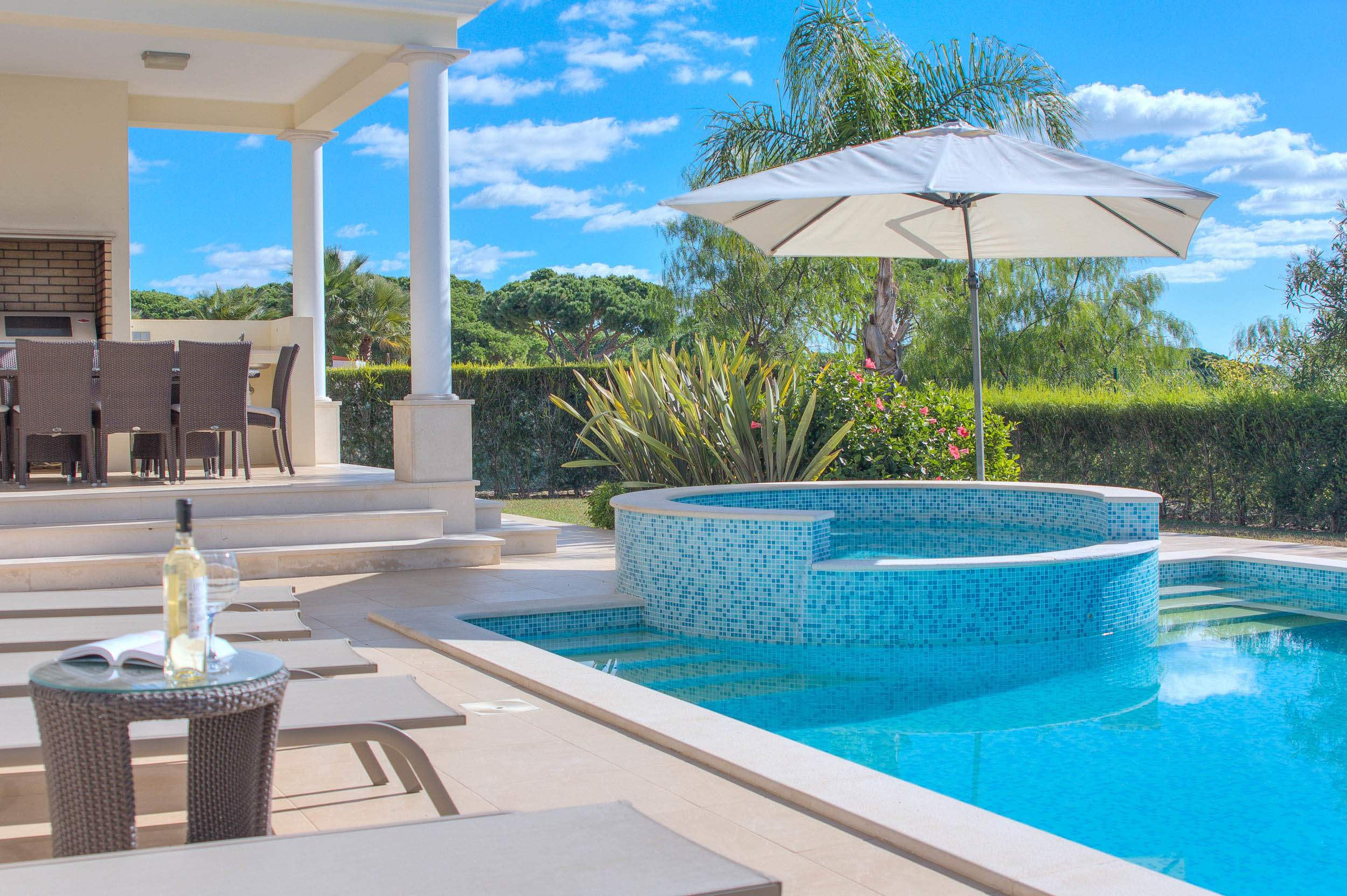 Villa Vida Doce, 6 bedroom villa in Vilamoura Area, Algarve Photo #8