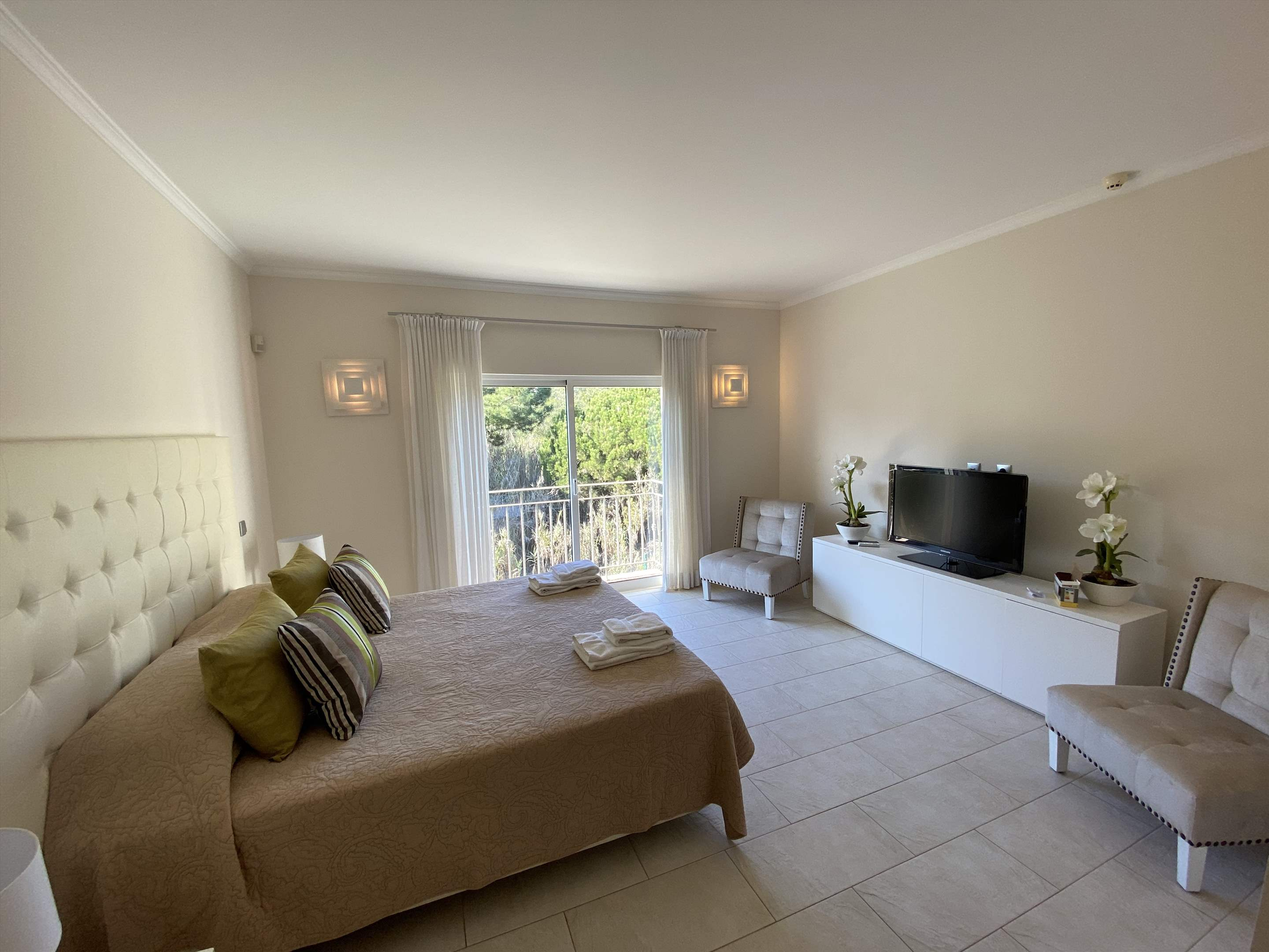 The Ocean Villas, 5 bedroom villa in Gale, Vale da Parra and Guia, Algarve Photo #20