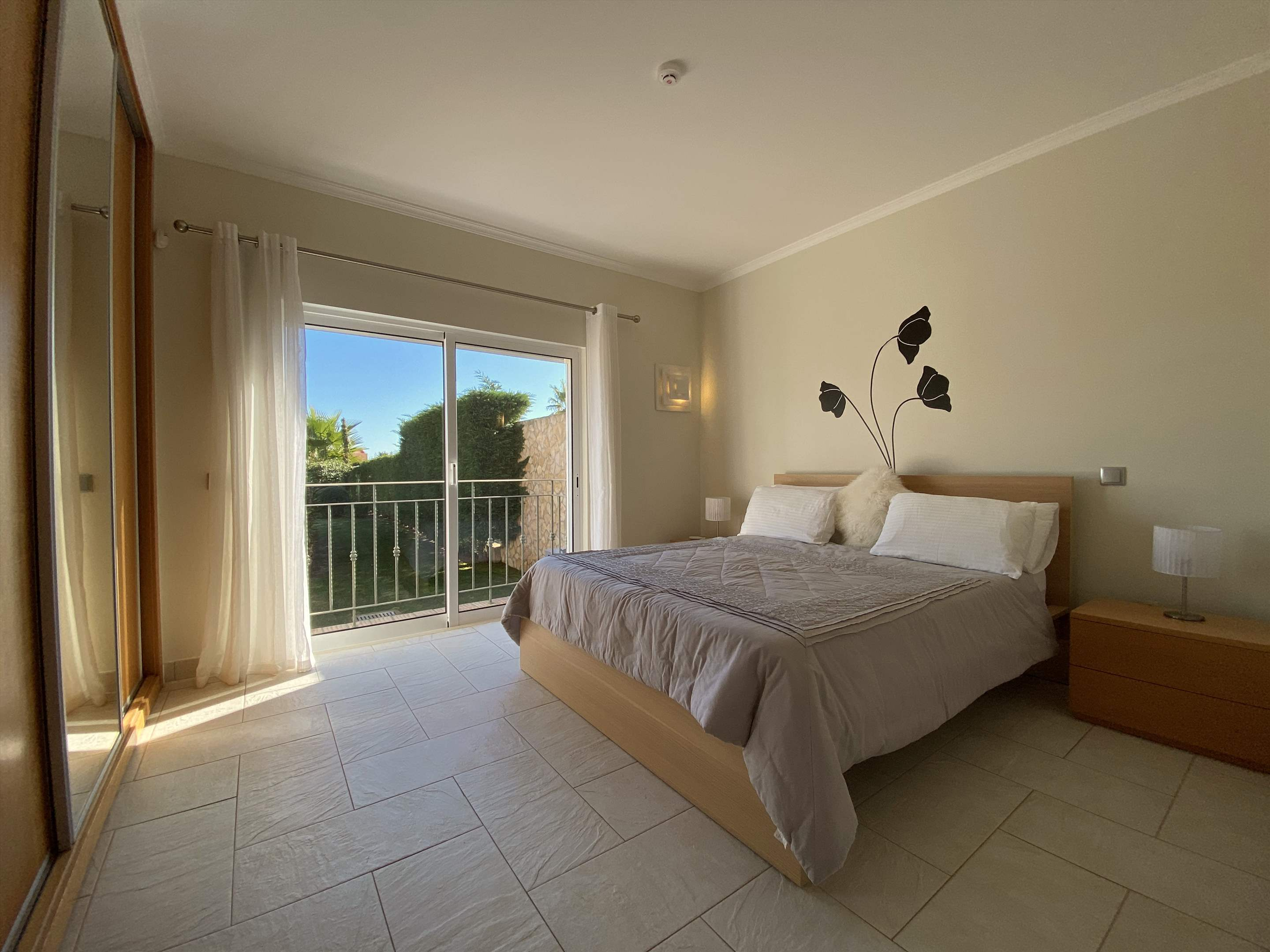 The Ocean Villas, 5 bedroom villa in Gale, Vale da Parra and Guia, Algarve Photo #23