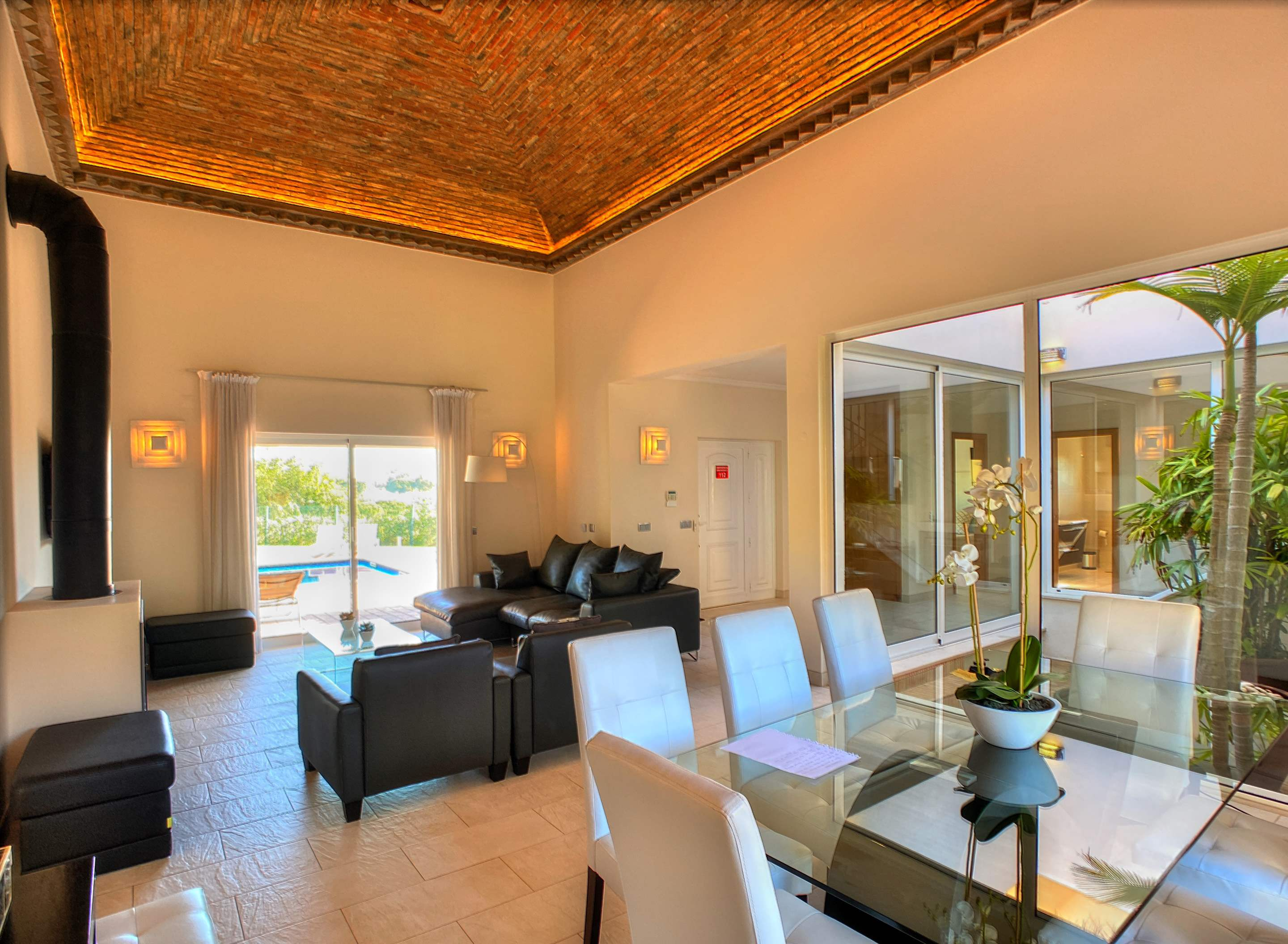 The Ocean Villas, 5 bedroom villa in Gale, Vale da Parra and Guia, Algarve Photo #3