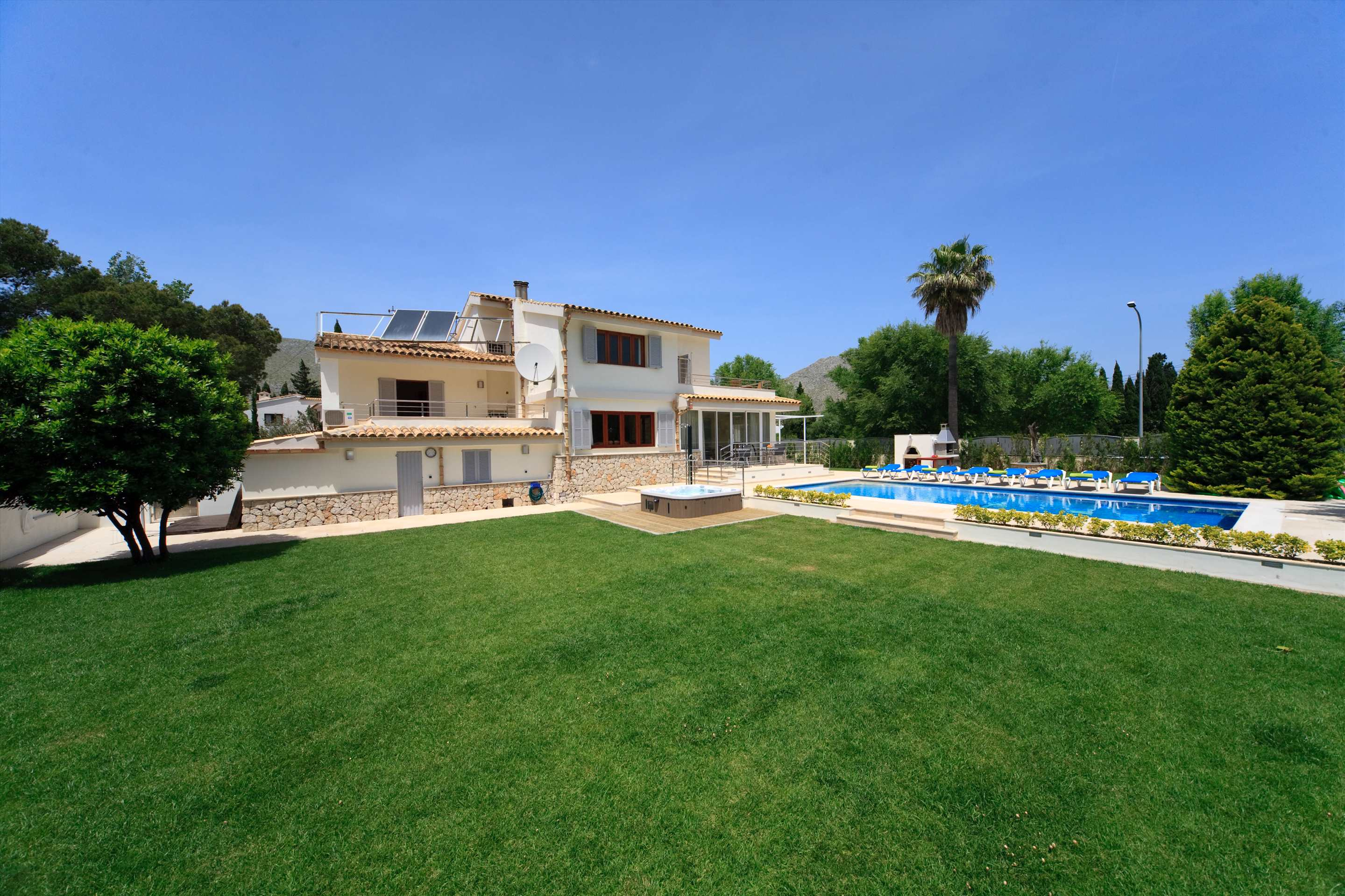 Villa Ca'n Barbas, 4 bedroom villa in Pollensa & Puerto Pollensa , Majorca Photo #22