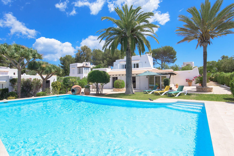 Puchet 2 Bedroom Villa In Cala D Or Majorca