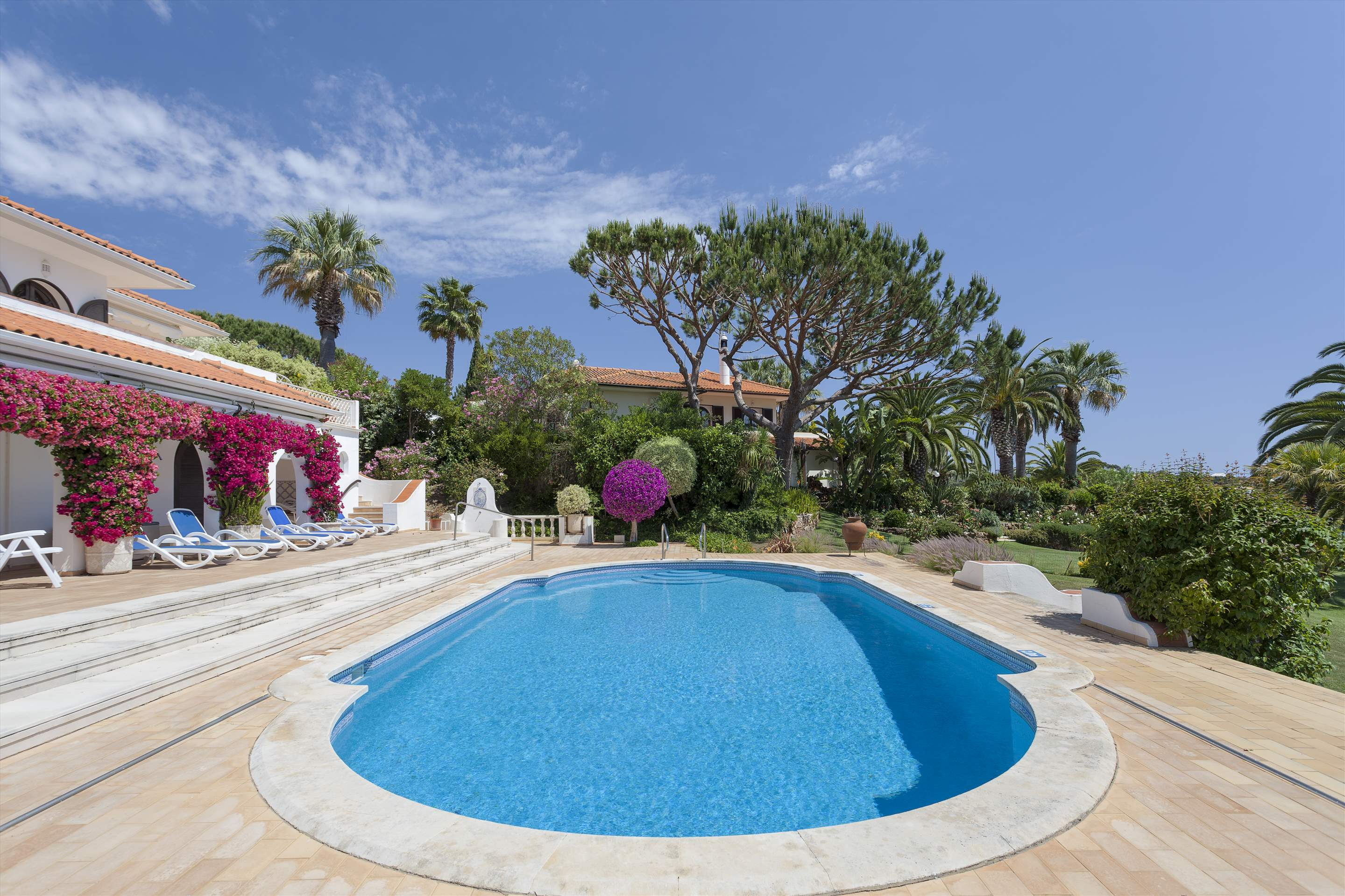 Villa Lake View, 4 bedroom villa in Quinta do Lago, Algarve Photo #11
