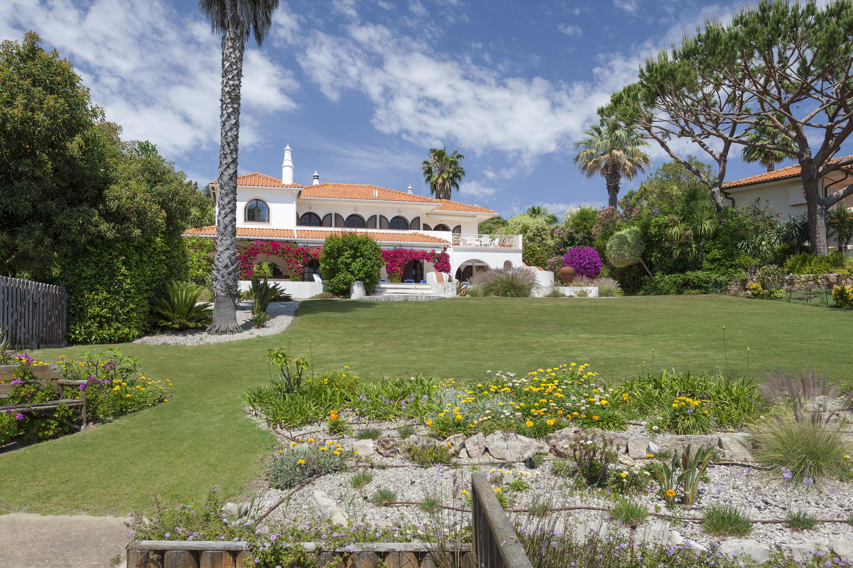 Villa Lake View, 4 bedroom villa in Quinta do Lago, Algarve Photo #12