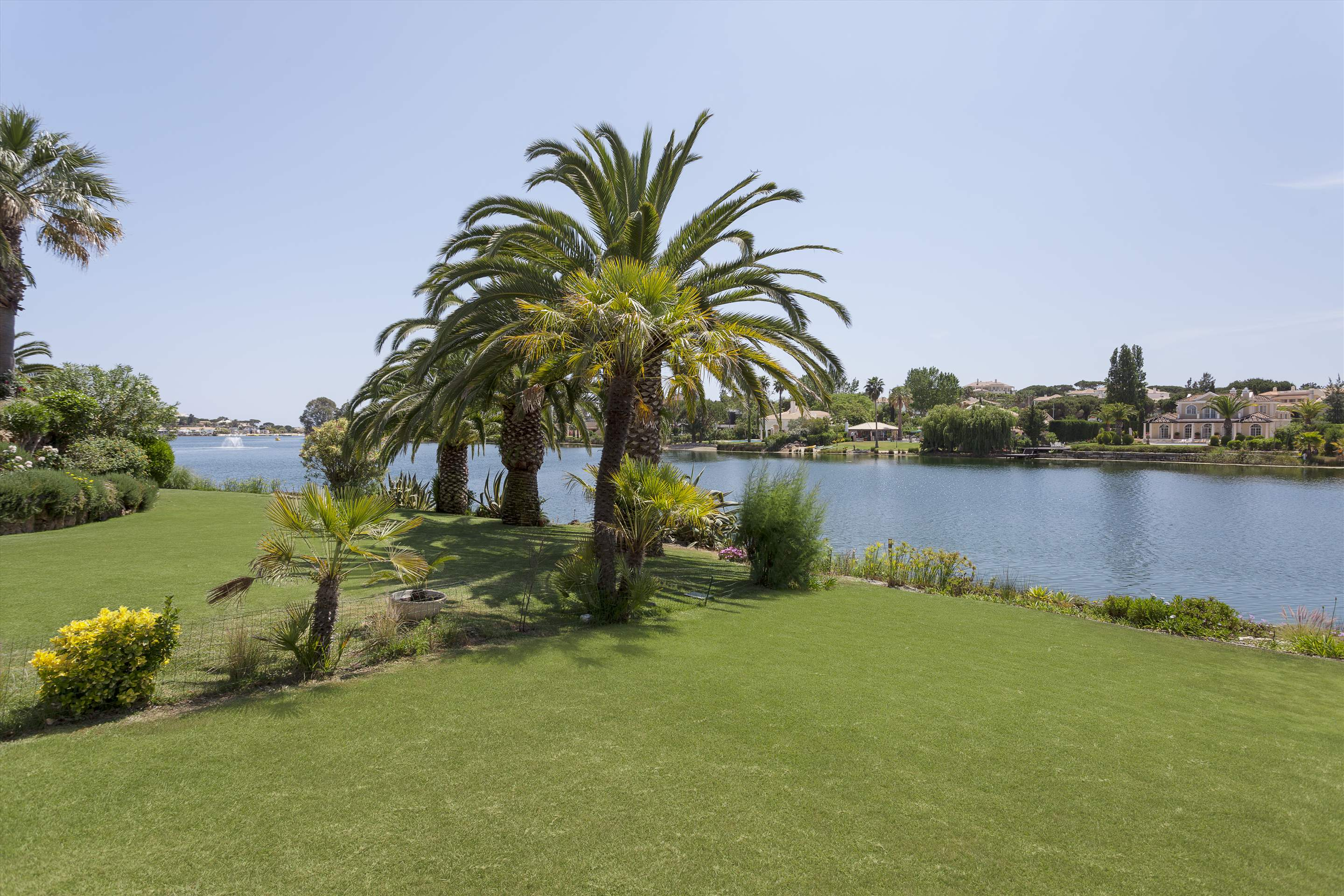 Villa Lake View, 4 bedroom villa in Quinta do Lago, Algarve Photo #13