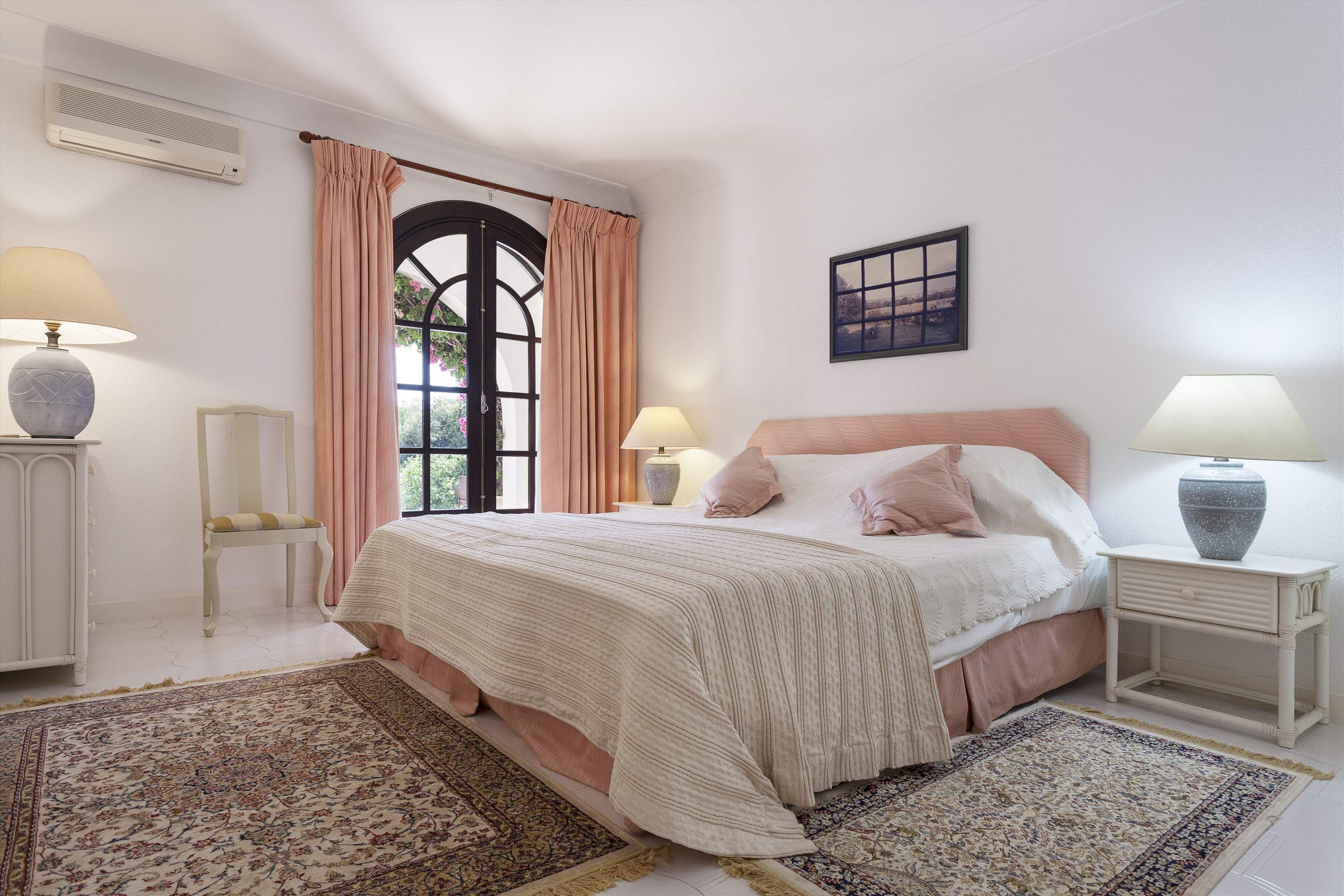 Villa Lake View, 4 bedroom villa in Quinta do Lago, Algarve Photo #18