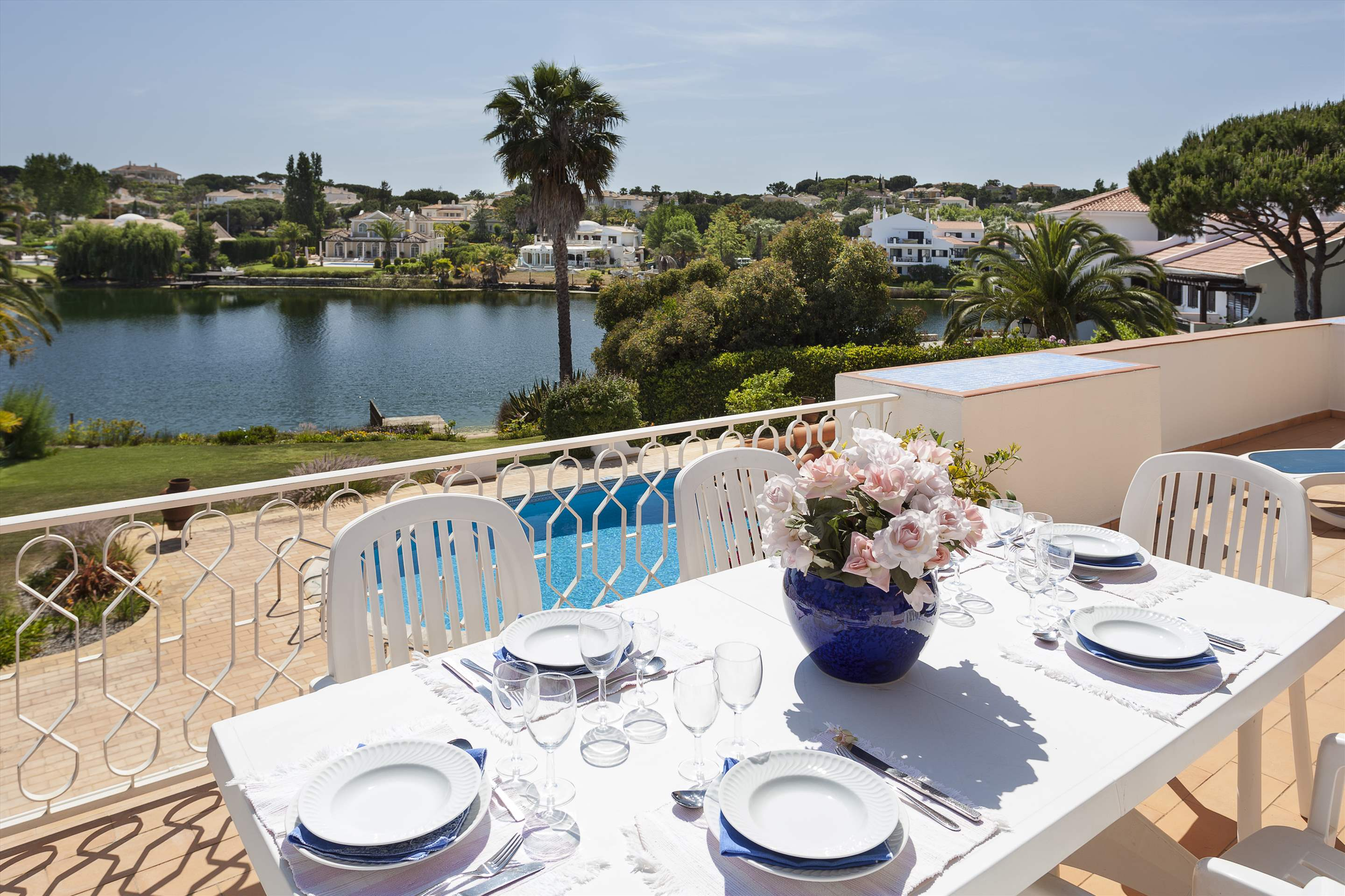 Villa Lake View, 4 bedroom villa in Quinta do Lago, Algarve Photo #2