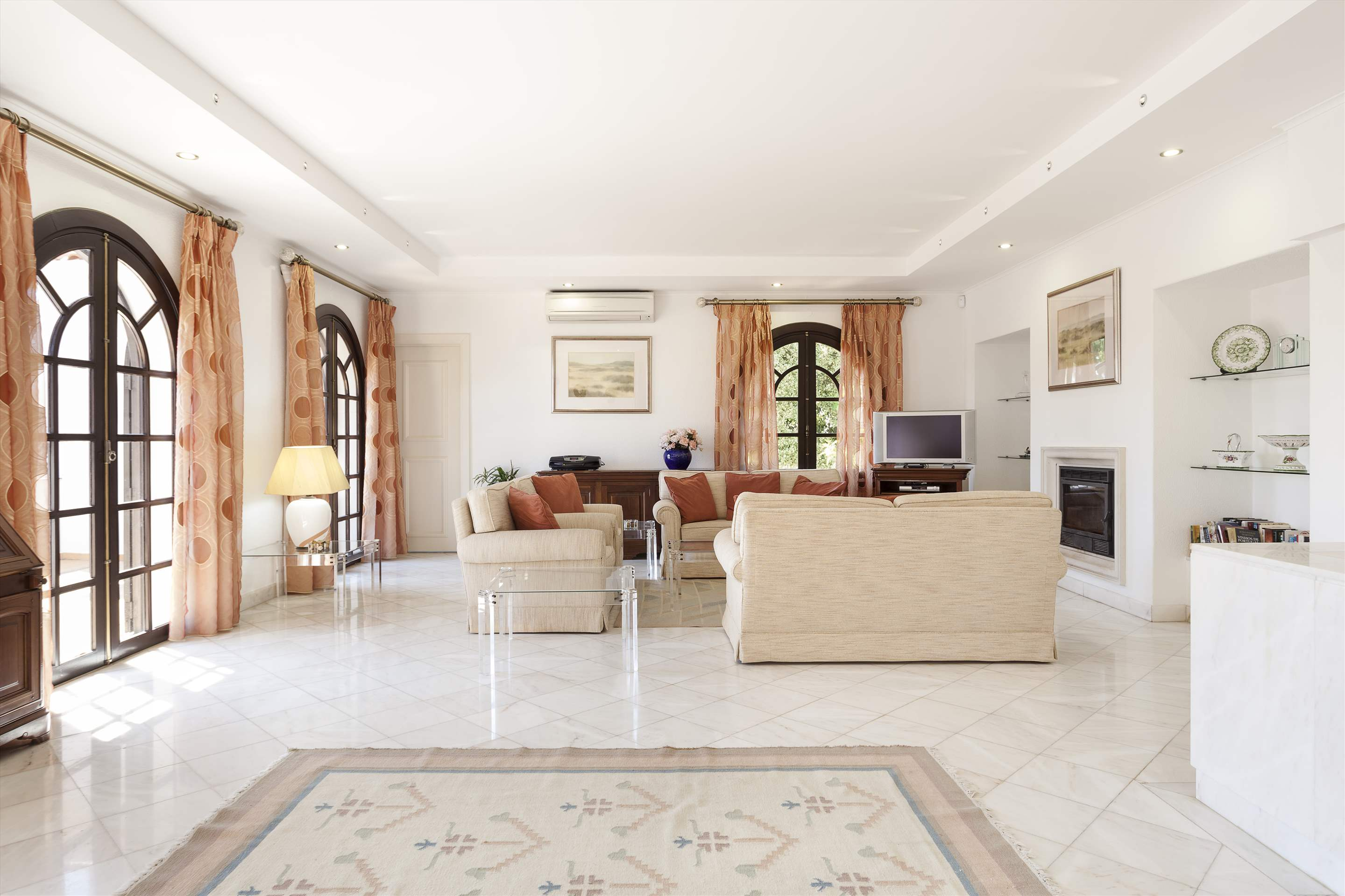 Villa Lake View, 4 bedroom villa in Quinta do Lago, Algarve Photo #6
