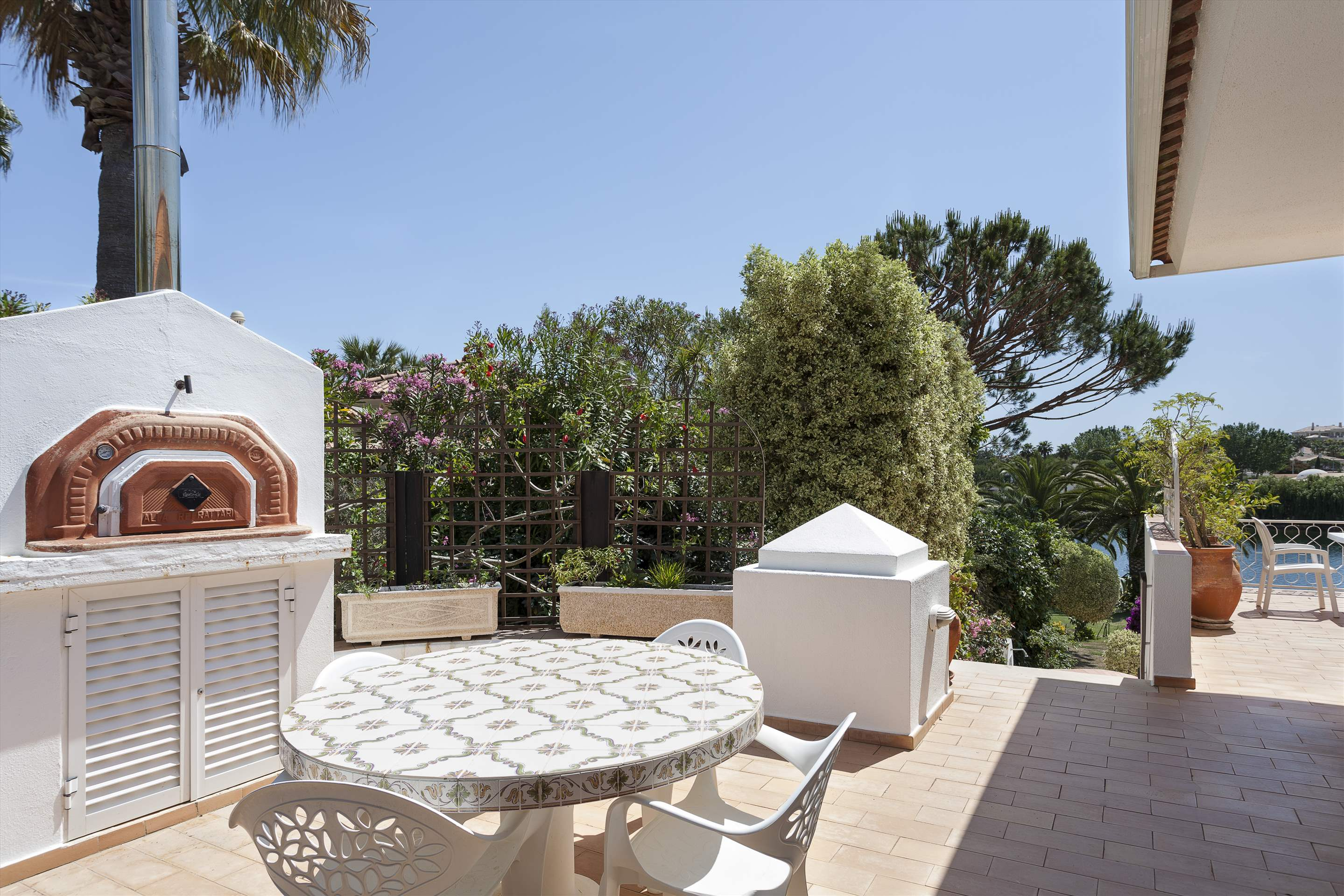 Villa Lake View, 4 bedroom villa in Quinta do Lago, Algarve Photo #7