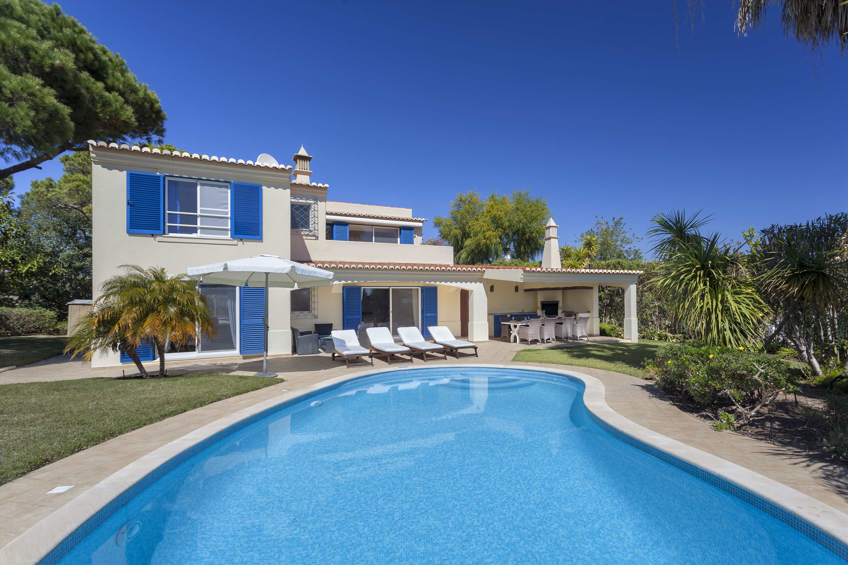 Villa Longa, 4 bedroom villa in Vale do Lobo, Algarve