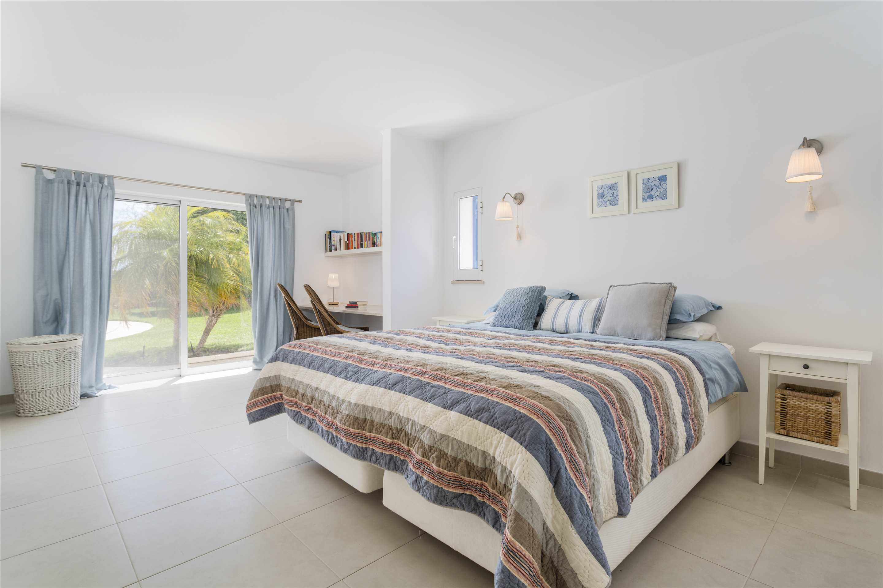 Villa Longa, 4 bedroom villa in Vale do Lobo, Algarve Photo #10