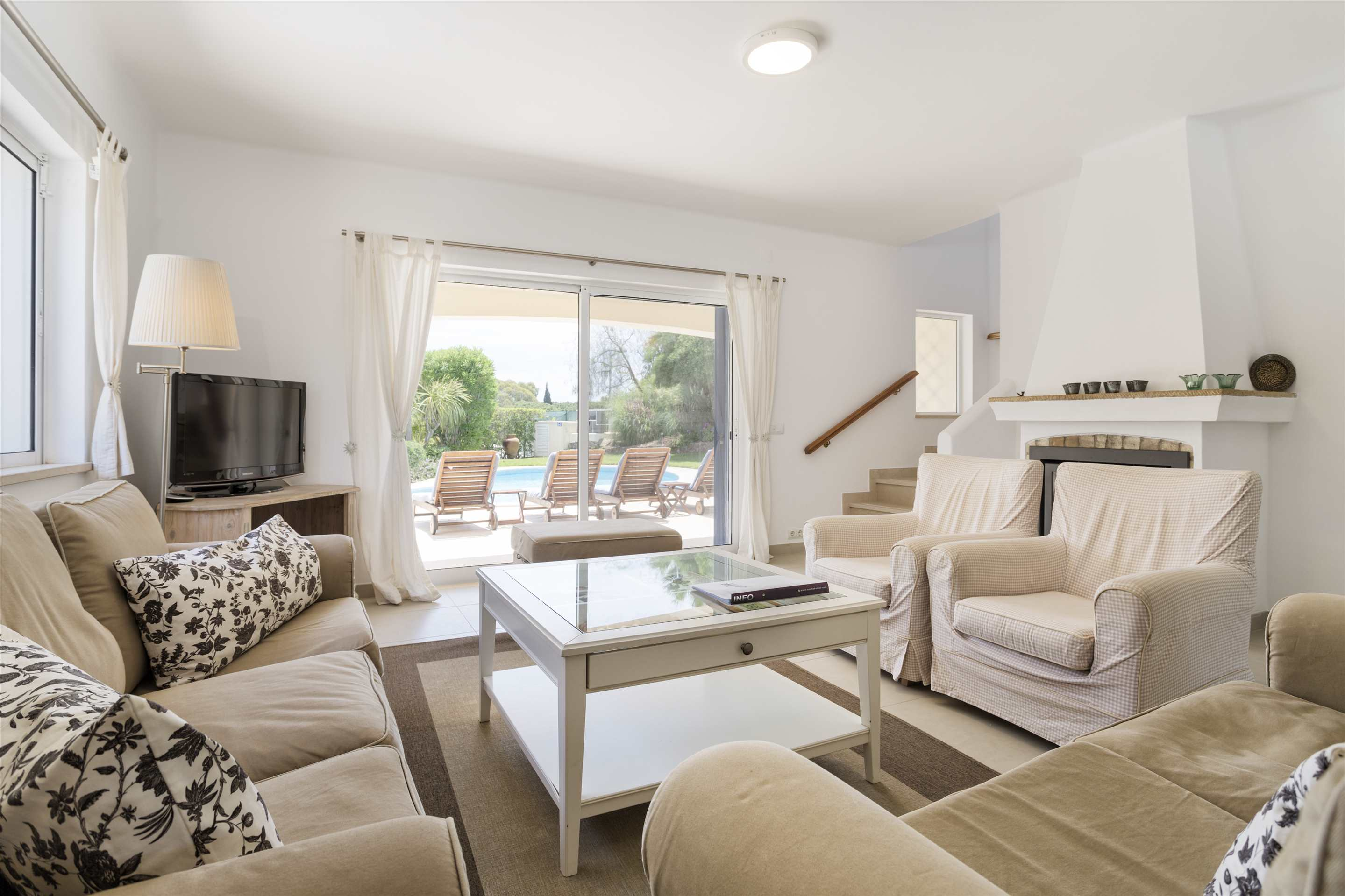 Villa Longa, 4 bedroom villa in Vale do Lobo, Algarve Photo #3