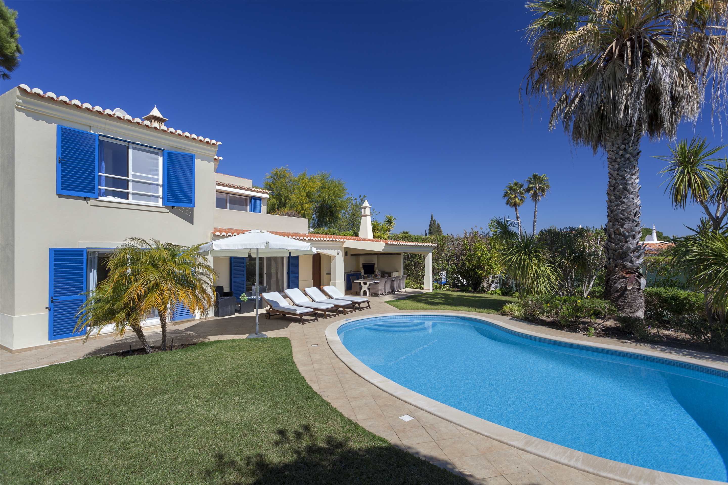 Villa Longa, 4 bedroom villa in Vale do Lobo, Algarve Photo #7