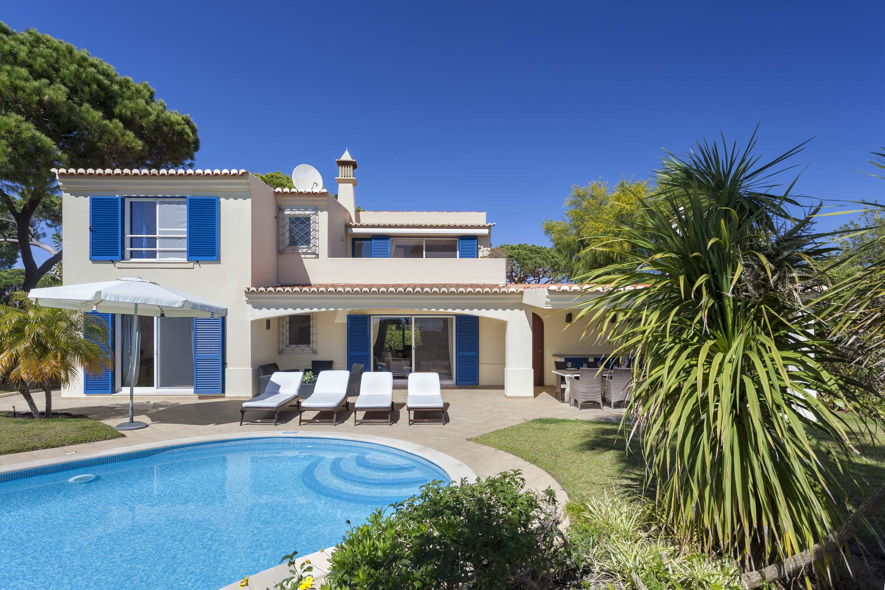 Villa Longa, 4 bedroom villa in Vale do Lobo, Algarve Photo #9