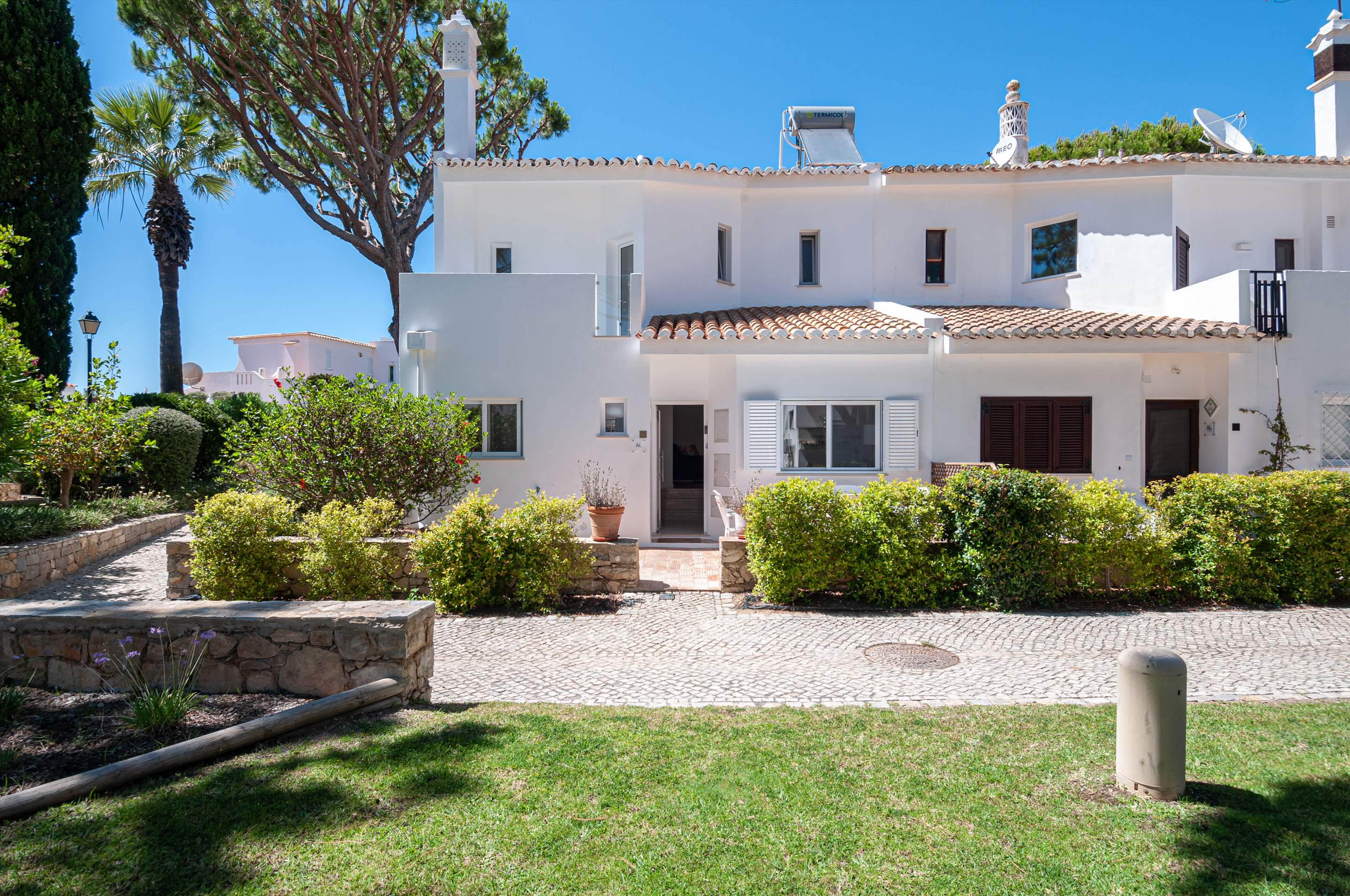 Villa Carmo, 3 bedroom villa in Vale do Lobo, Algarve