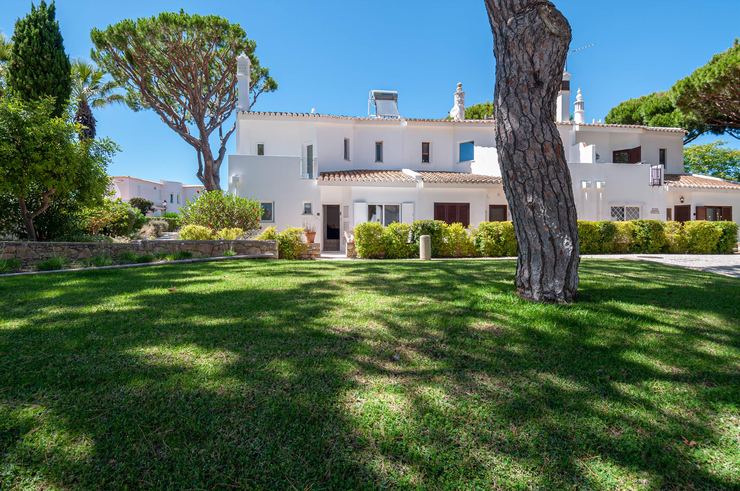 Villa Carmo, 3 bedroom villa in Vale do Lobo, Algarve Photo #16