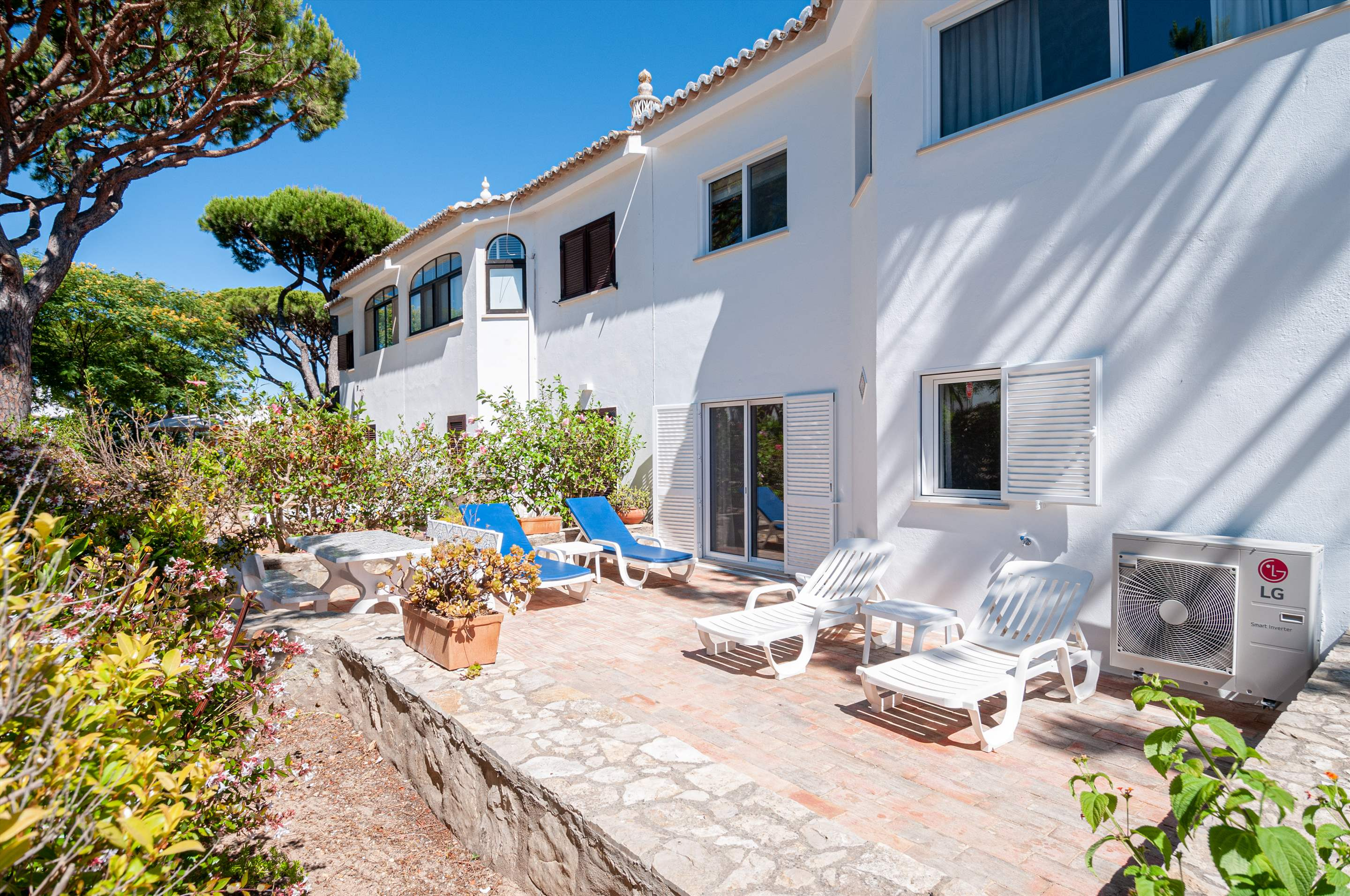 Villa Carmo, 3 bedroom villa in Vale do Lobo, Algarve Photo #3
