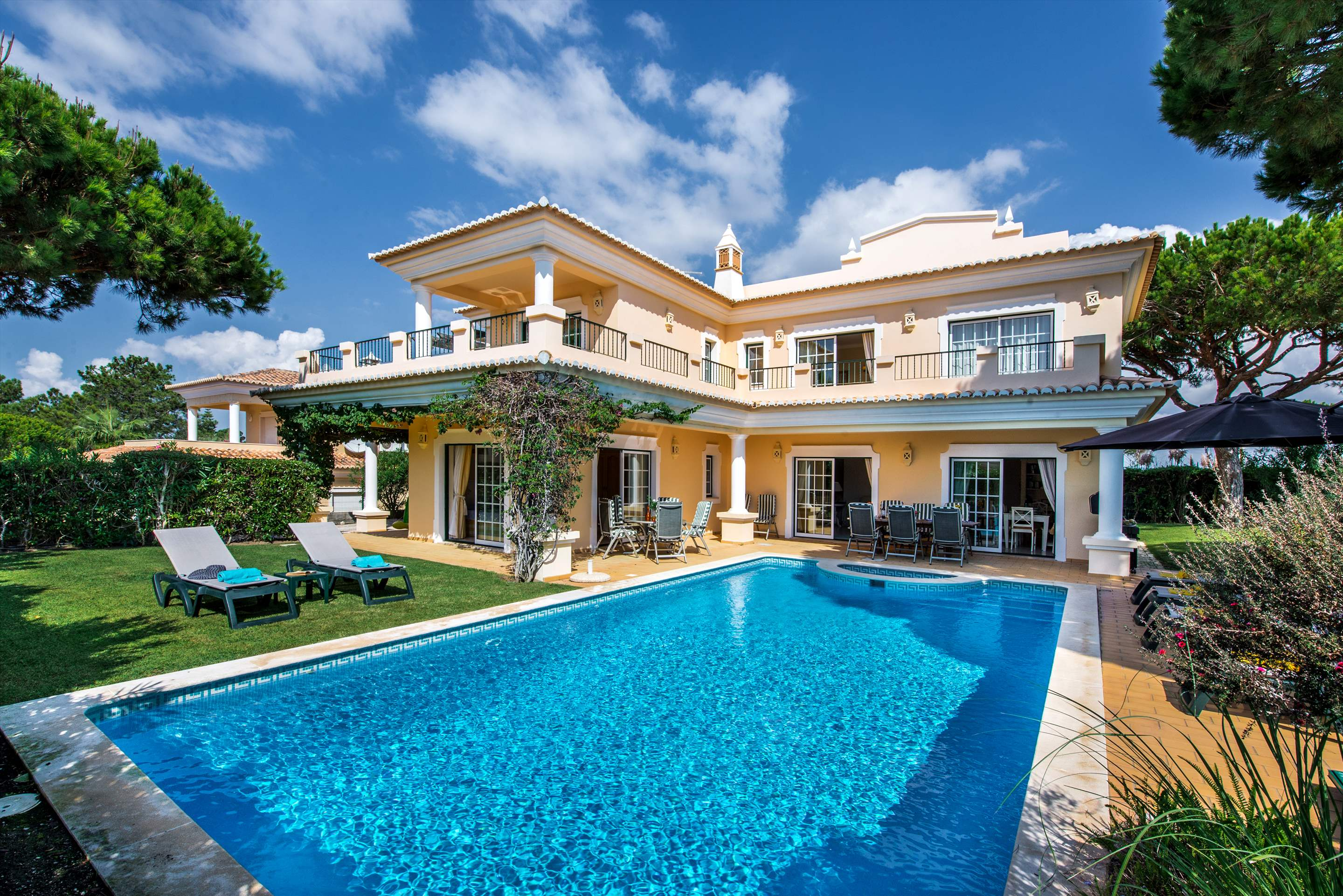 Casa da Encosta, 4 bedroom villa in Vale do Lobo, Algarve