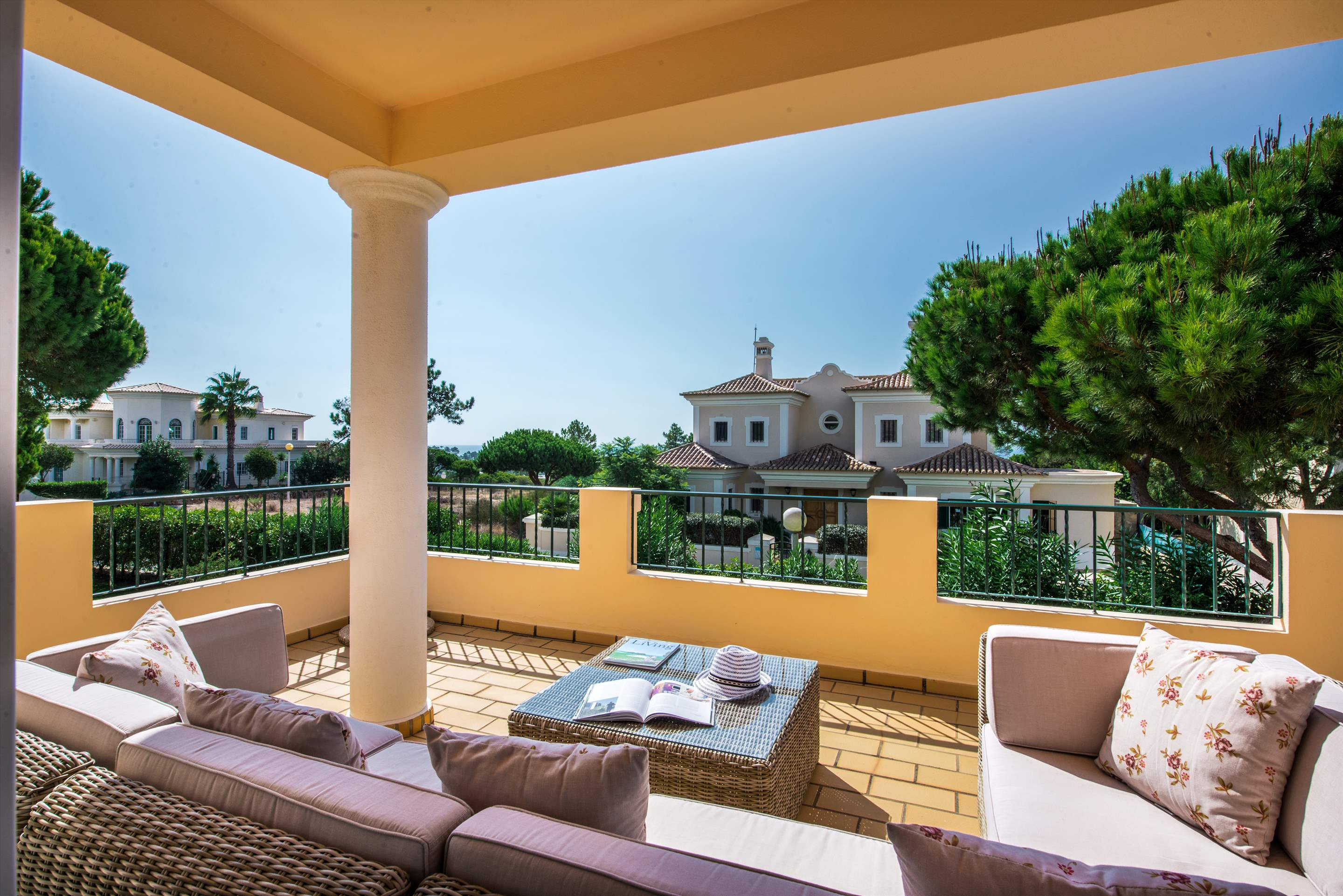 Casa da Encosta, 4 bedroom villa in Vale do Lobo, Algarve Photo #11