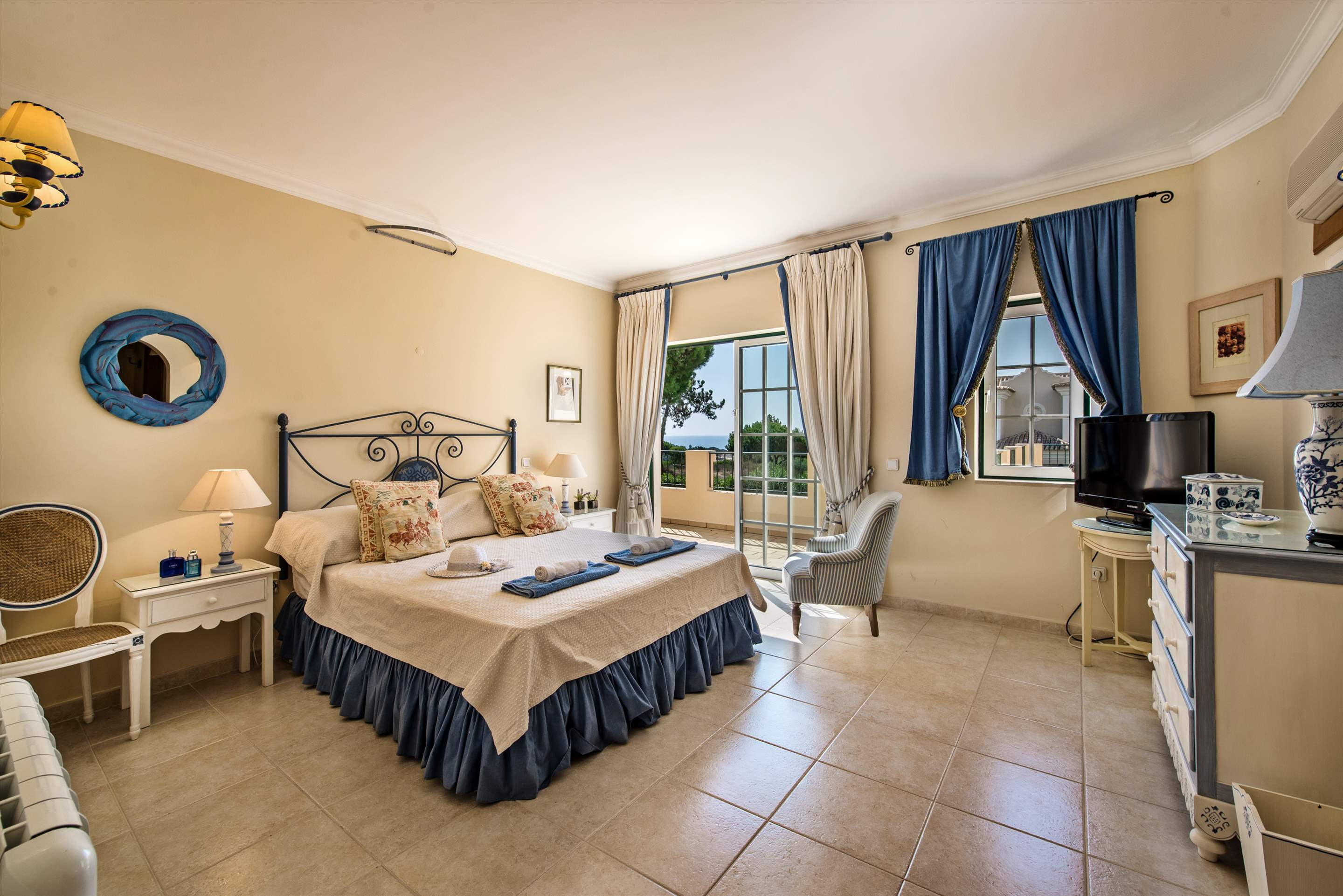 Casa da Encosta, 4 bedroom villa in Vale do Lobo, Algarve Photo #14