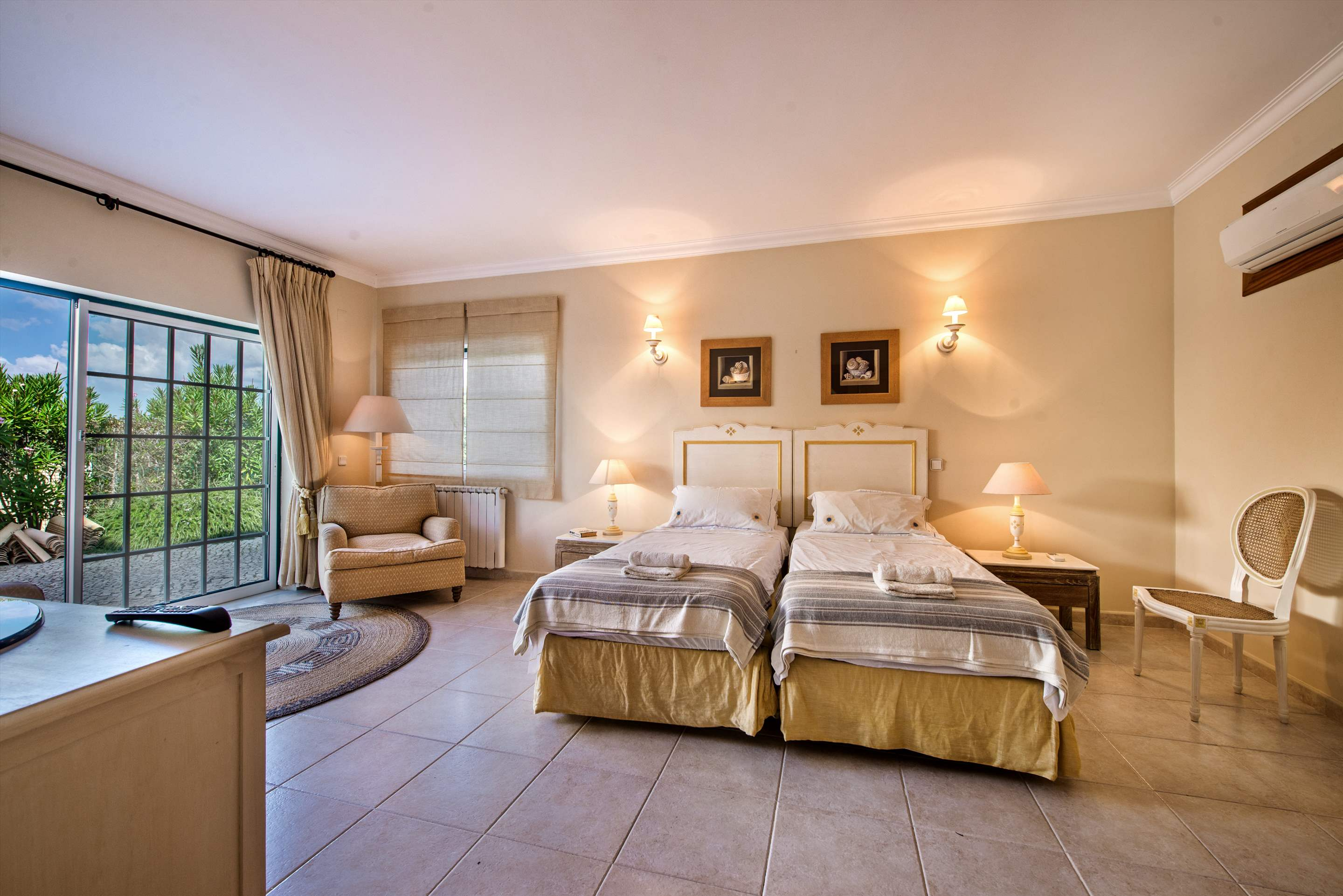 Casa da Encosta, 4 bedroom villa in Vale do Lobo, Algarve Photo #18