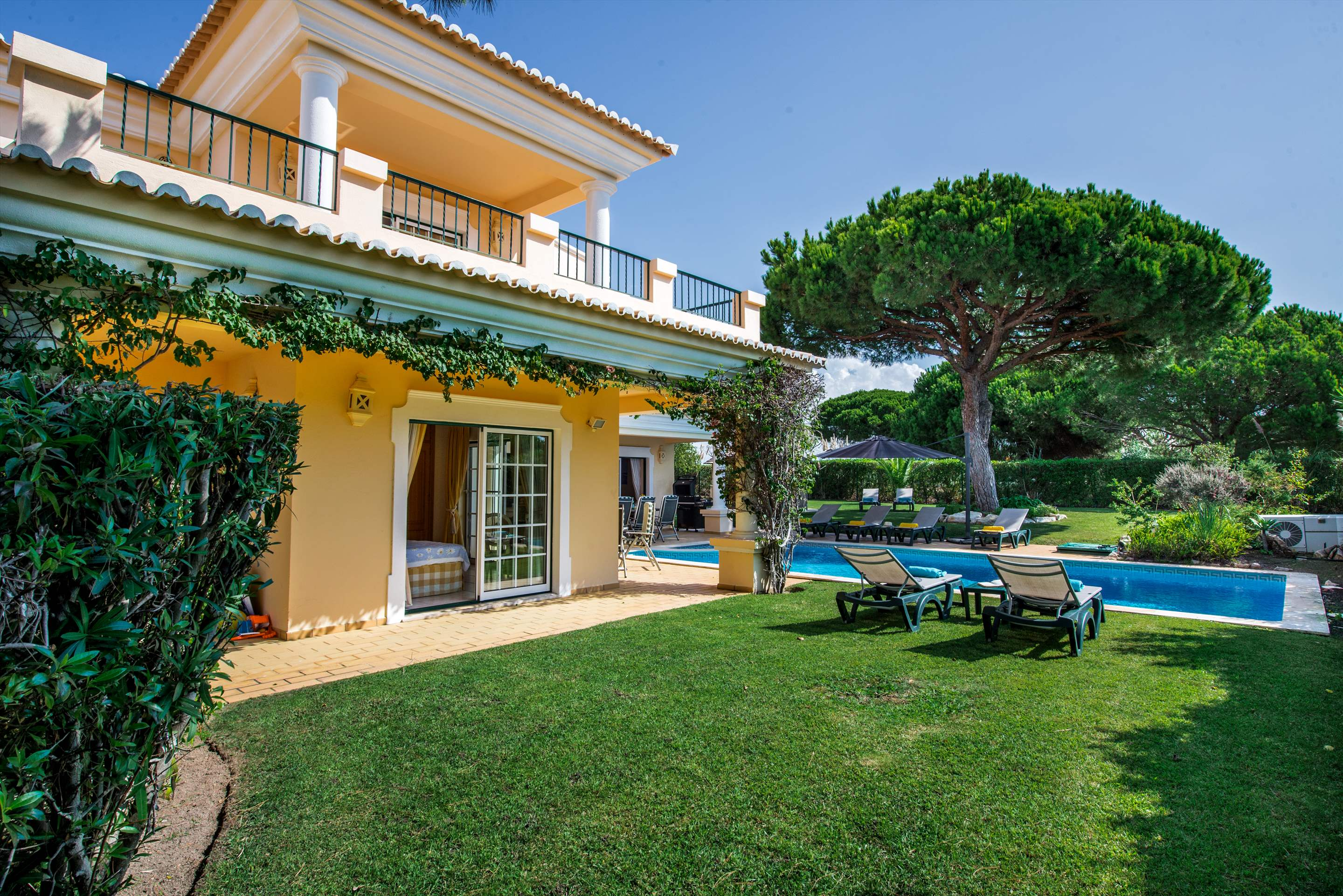 Casa da Encosta, 4 bedroom villa in Vale do Lobo, Algarve Photo #26