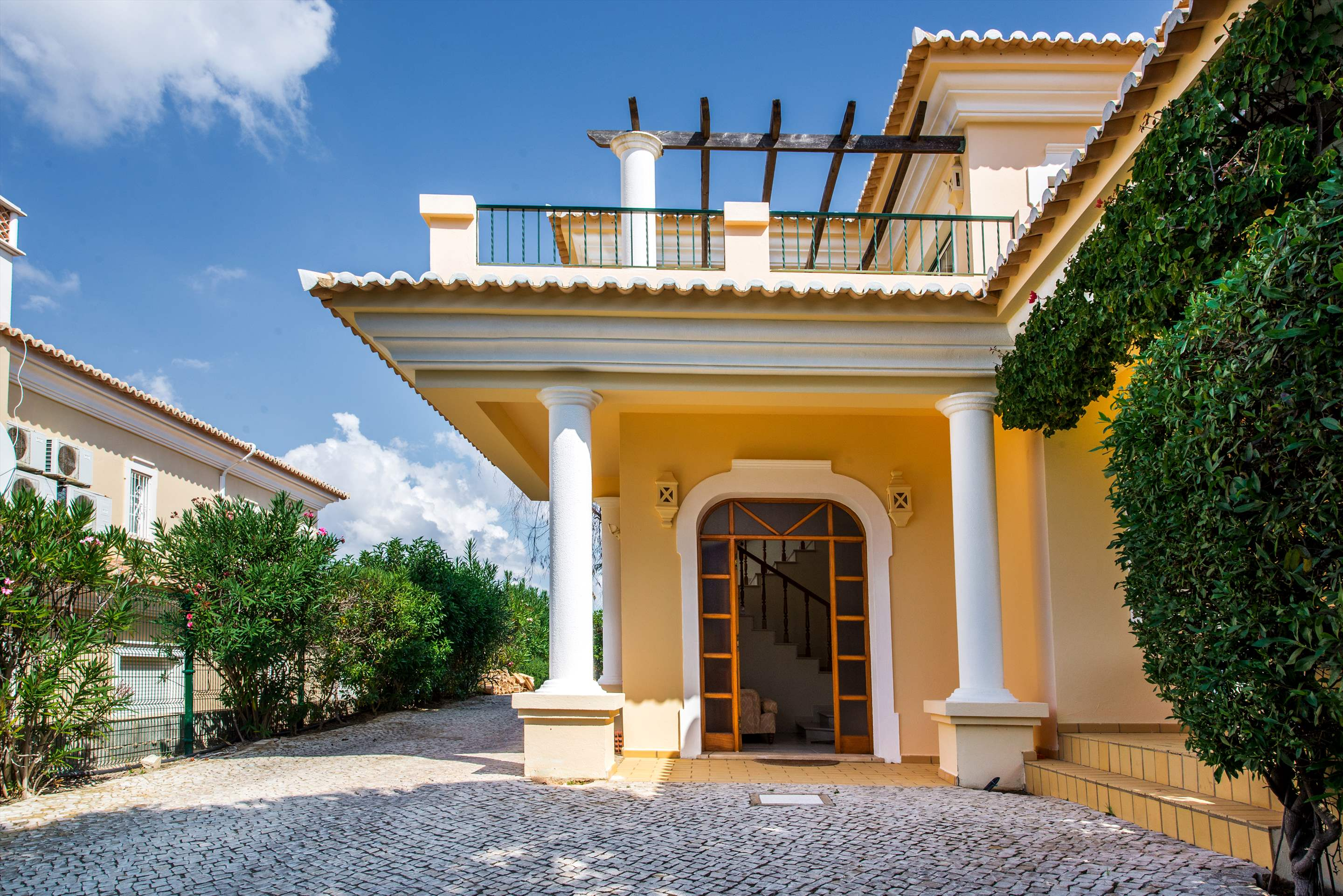 Casa da Encosta, 4 bedroom villa in Vale do Lobo, Algarve Photo #27