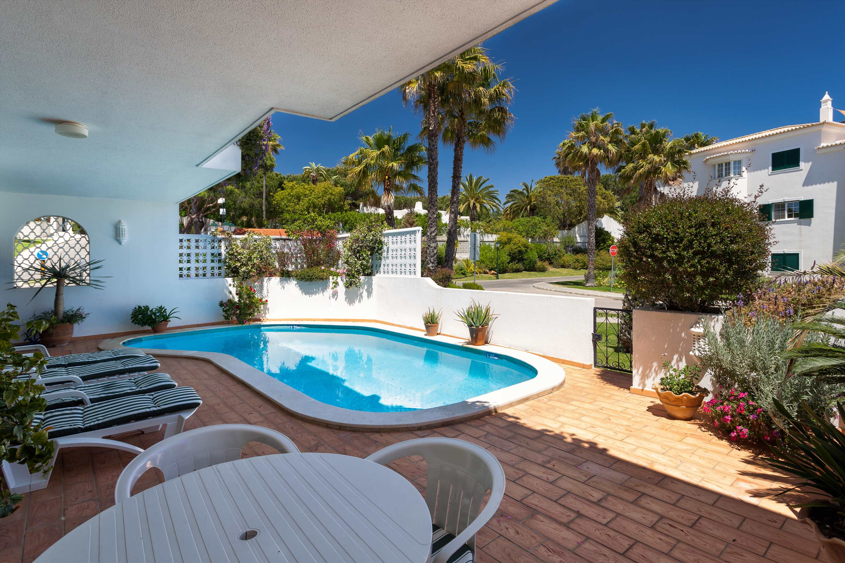 Apt. Carmel, 2 bedroom apartment in Vale do Lobo, Algarve