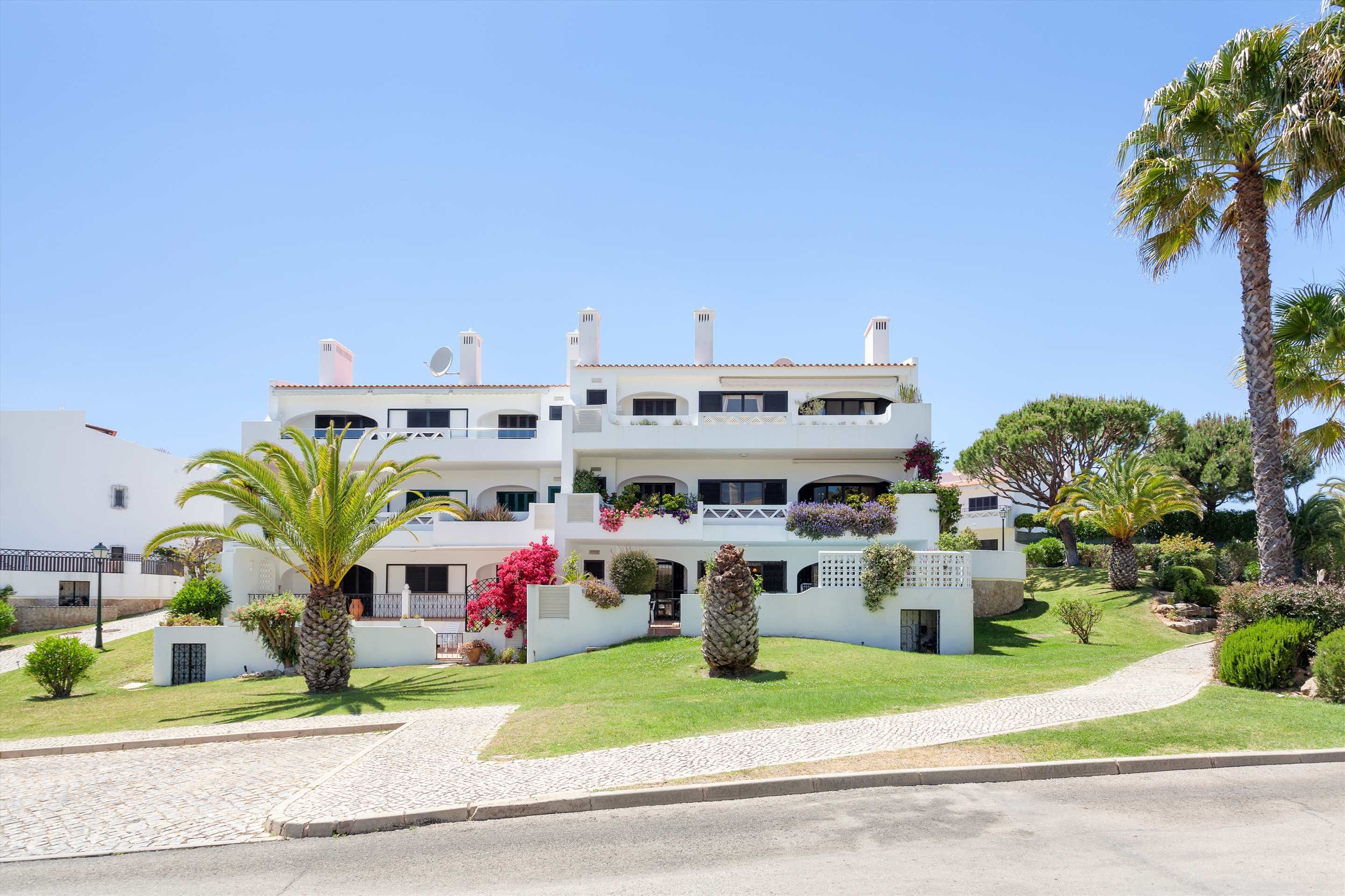 Apt. Carmel, 2 bedroom apartment in Vale do Lobo, Algarve Photo #12