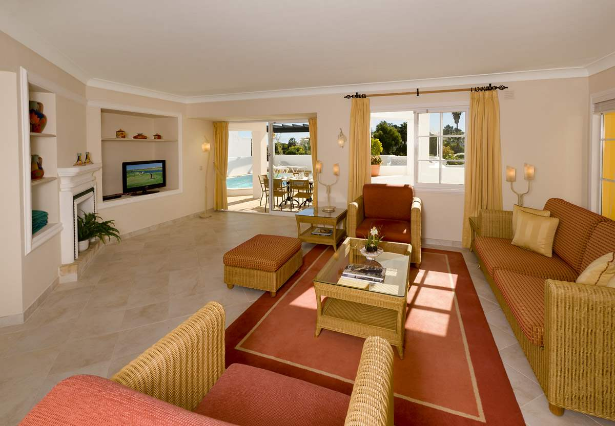 Four Seasons Fairways 2 Bed Cluster Villa, Thursday Arrival, 2 bedroom villa in Four Seasons Fairways, Algarve Photo #3
