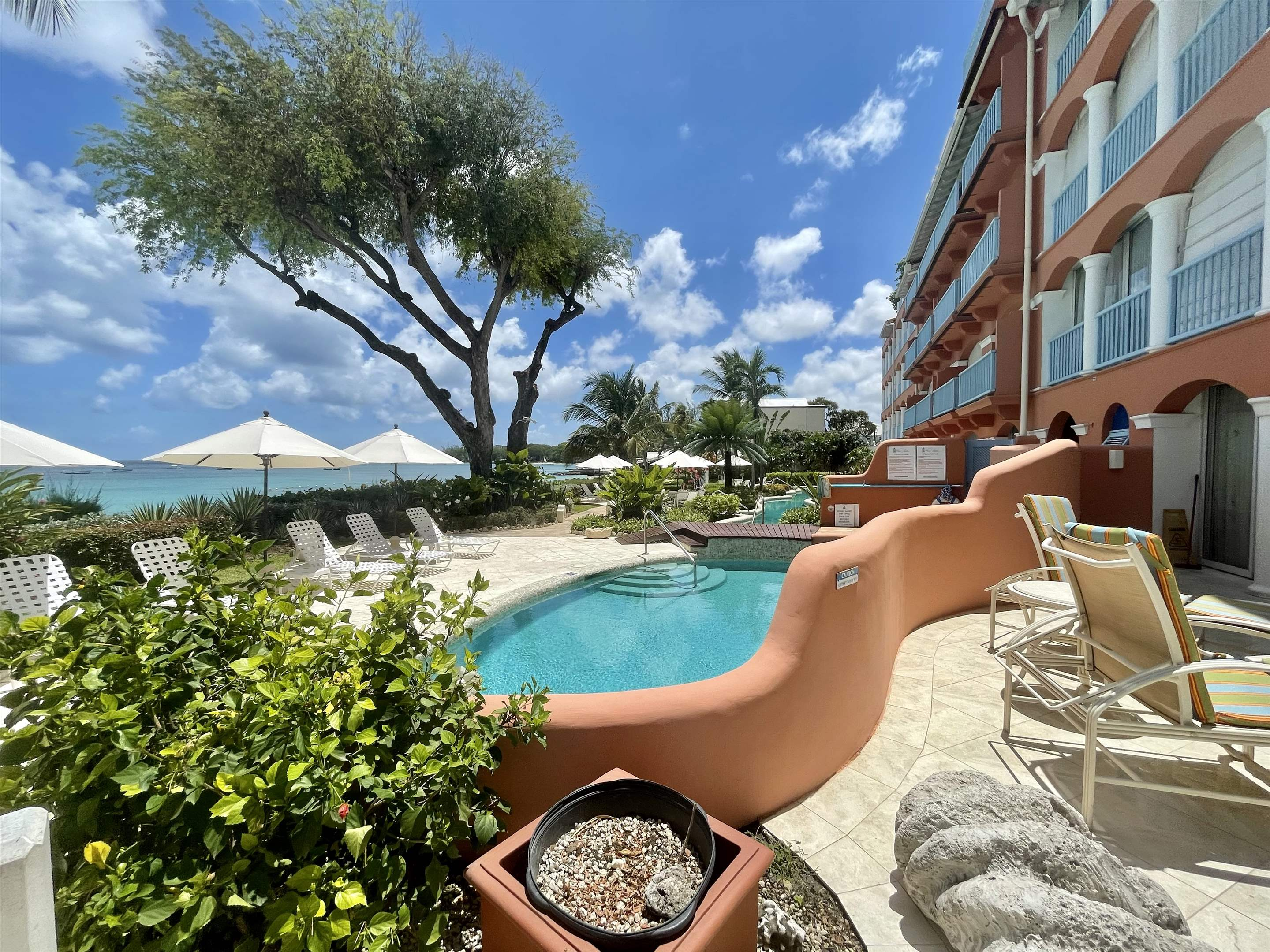 Villas on the Beach 101, 1 bedroom, 1 bedroom apartment in St. James & West Coast, Barbados Photo #4