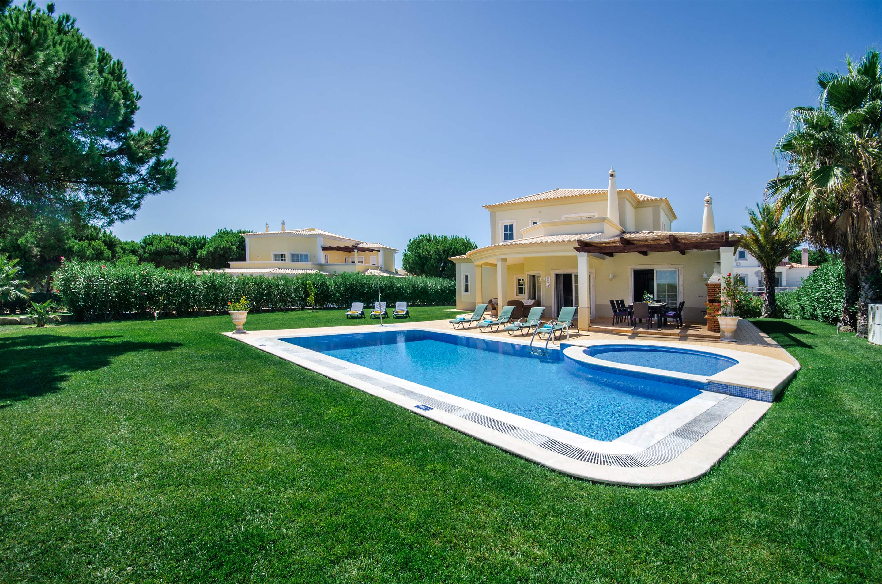 Villa Alexa, 4 bedroom villa in Vilamoura Area, Algarve Photo #10