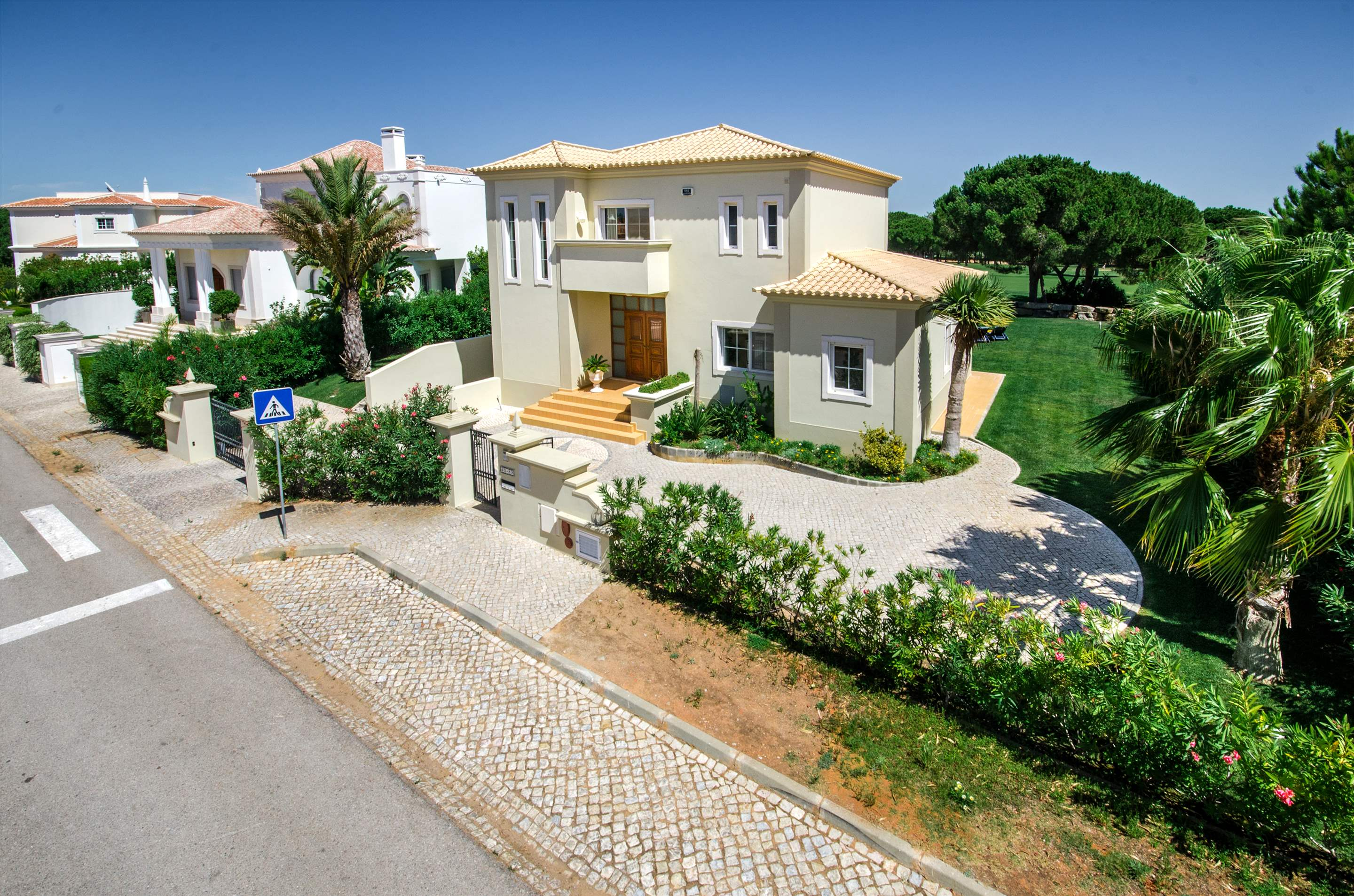 Villa Alexa, 4 bedroom villa in Vilamoura Area, Algarve Photo #12