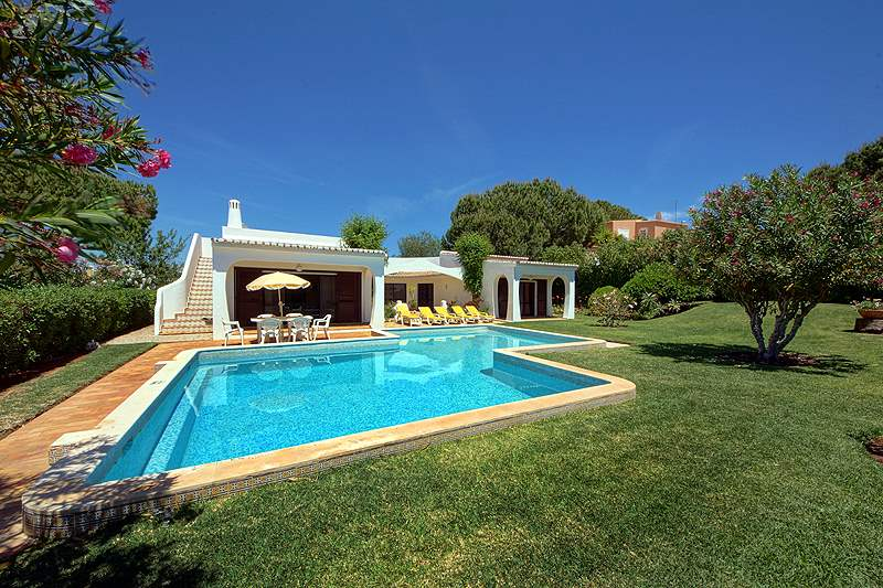 Casa Torneira, 3 bedroom villa in Vilamoura Area, Algarve Photo #1