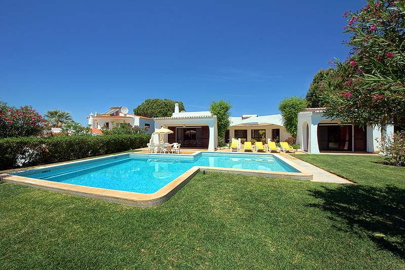 Casa Torneira, 3 bedroom villa in Vilamoura Area, Algarve Photo #9