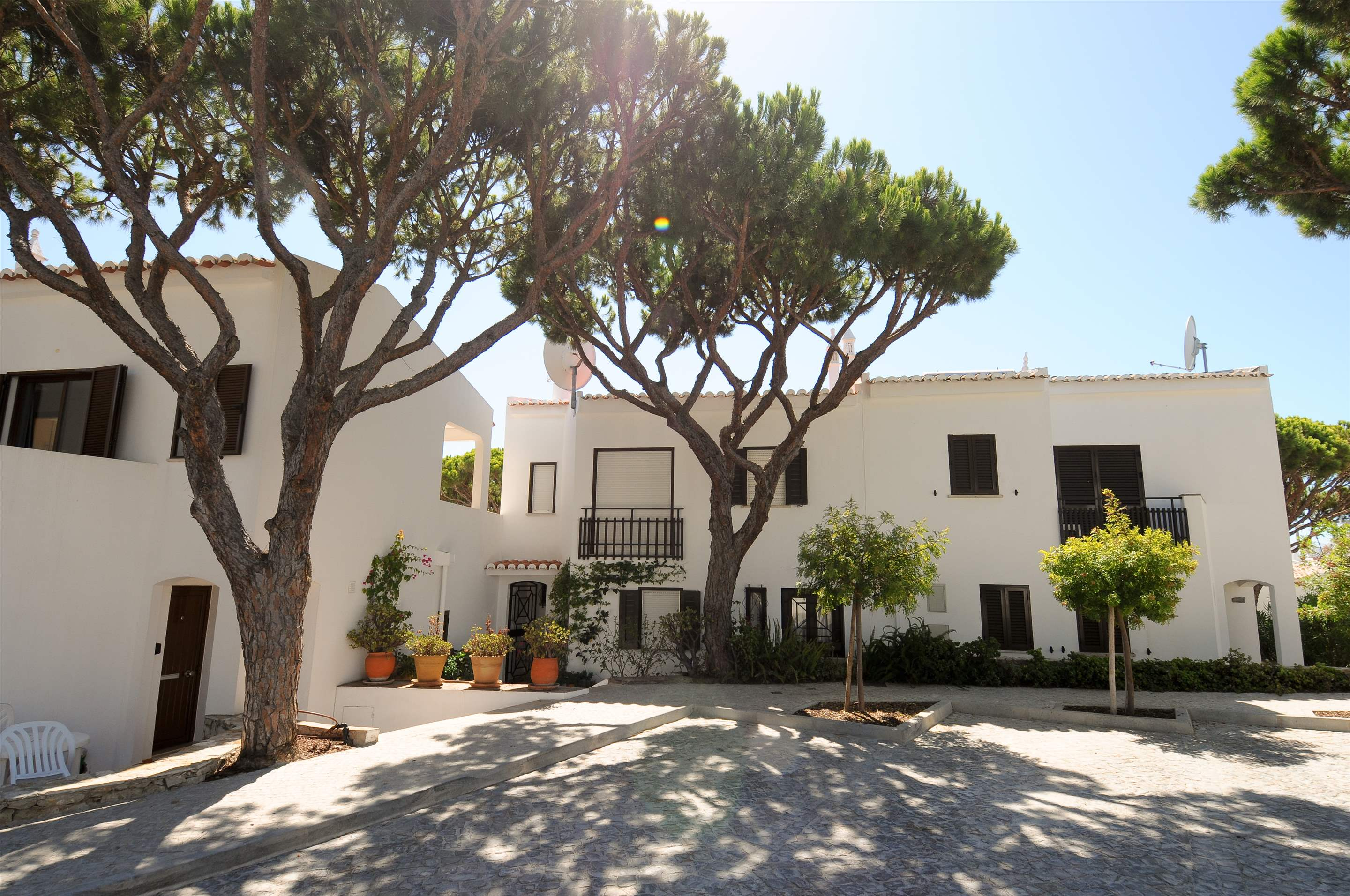 Villa Giroud, 2 bedroom villa in Vale do Lobo, Algarve Photo #1
