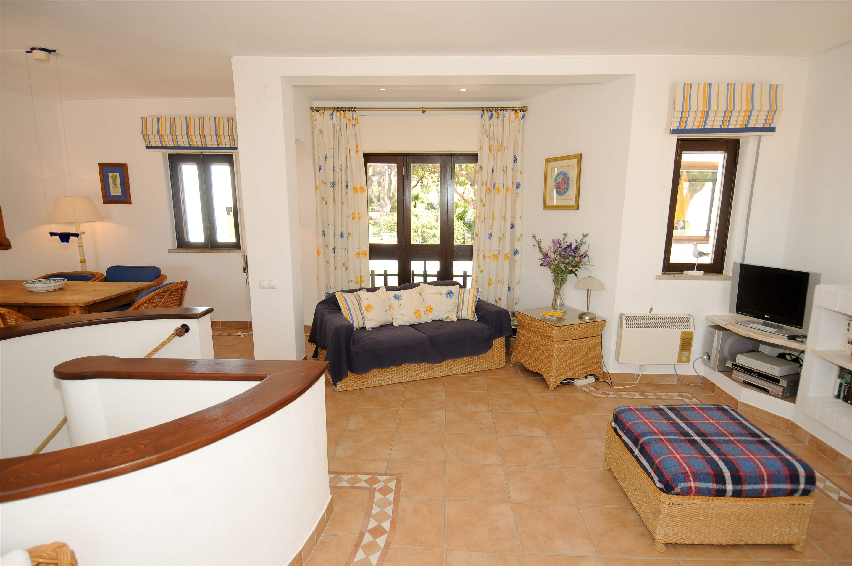 Villa Giroud, 2 bedroom villa in Vale do Lobo, Algarve Photo #4