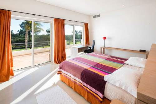 Villa Santi, 4 bedroom villa in Quinta do Lago, Algarve Photo #19